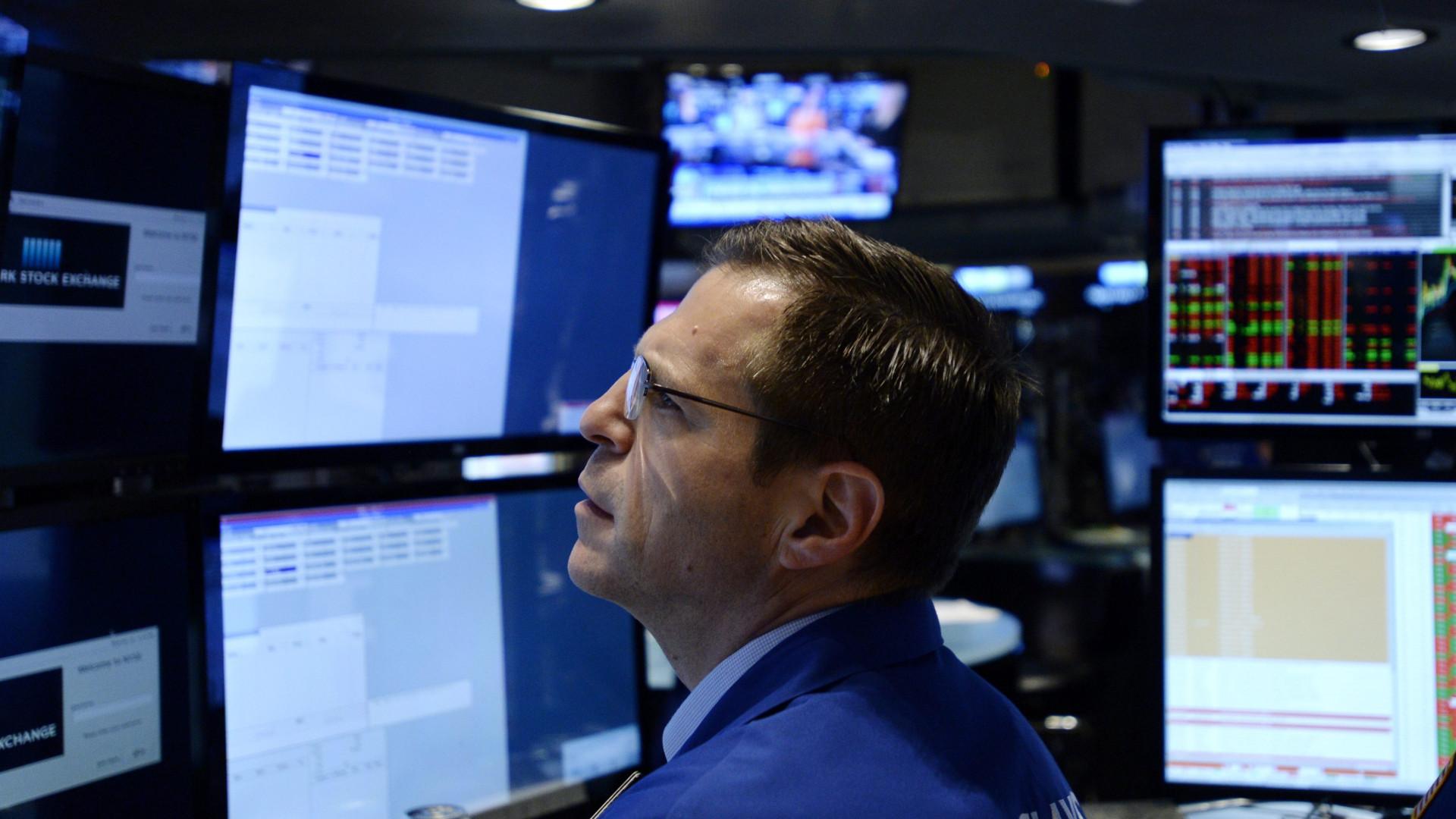Wall Street segue em alta com investidores atentos a subida de juros
