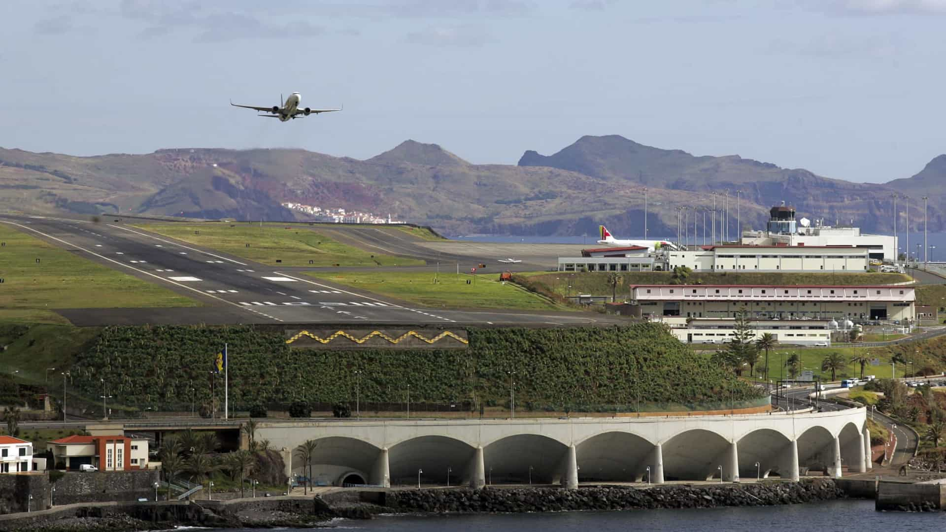Vento volta a afetar Aeroporto da Madeira, sete voos foram divergidos