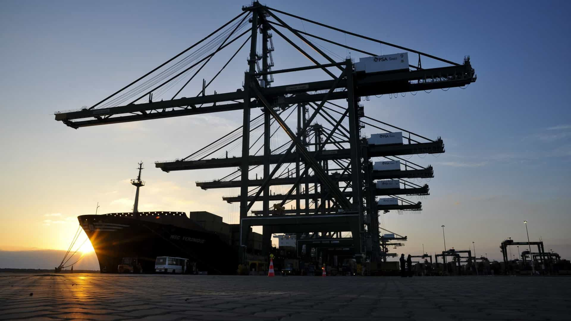 Carga nos portos cai quase 11%. Sines lidera recuo