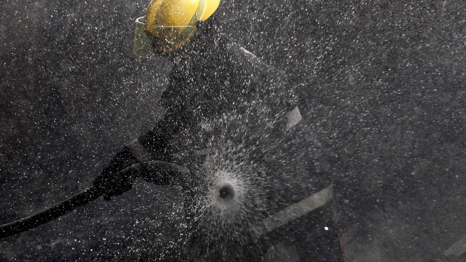 Bombeiros extinguiram fogo em prédio no Funchal que provocou 9 feridos