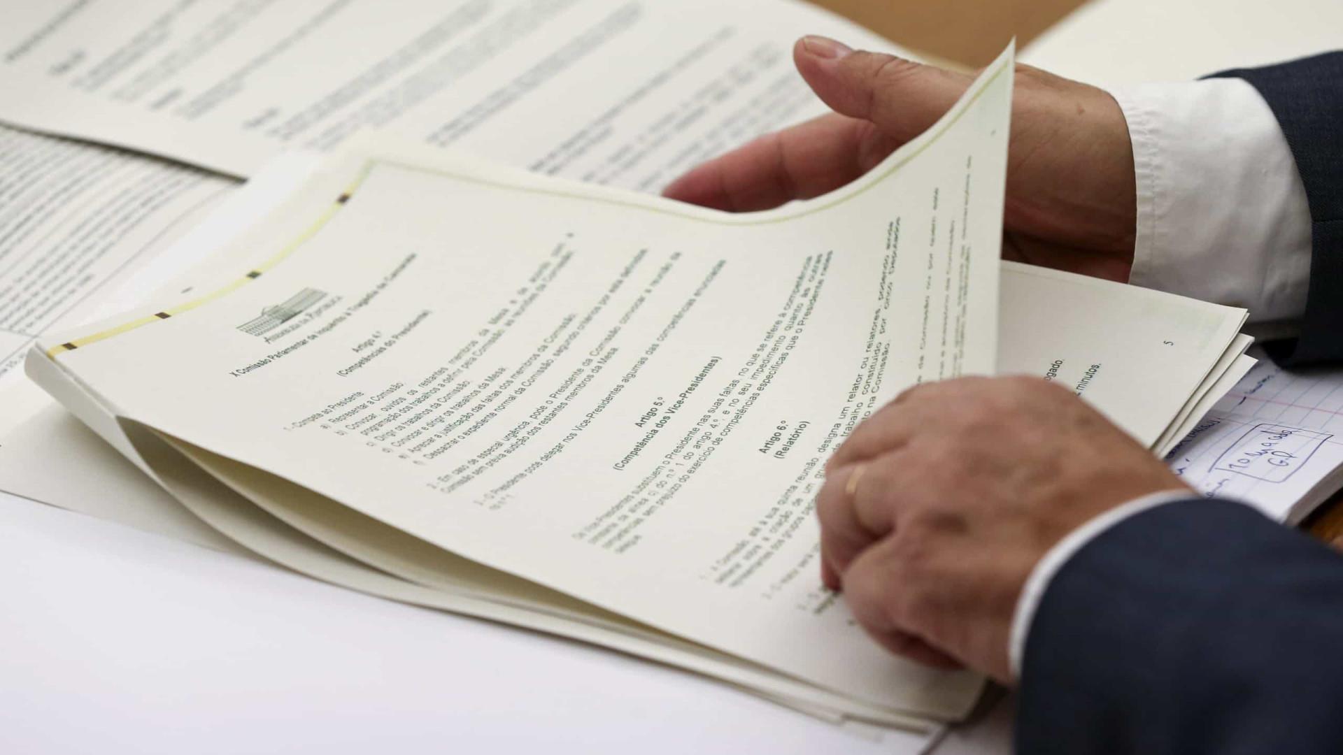 """""""Secretas"""" contra lei do PCP sobre acesso a documentos classificados"""