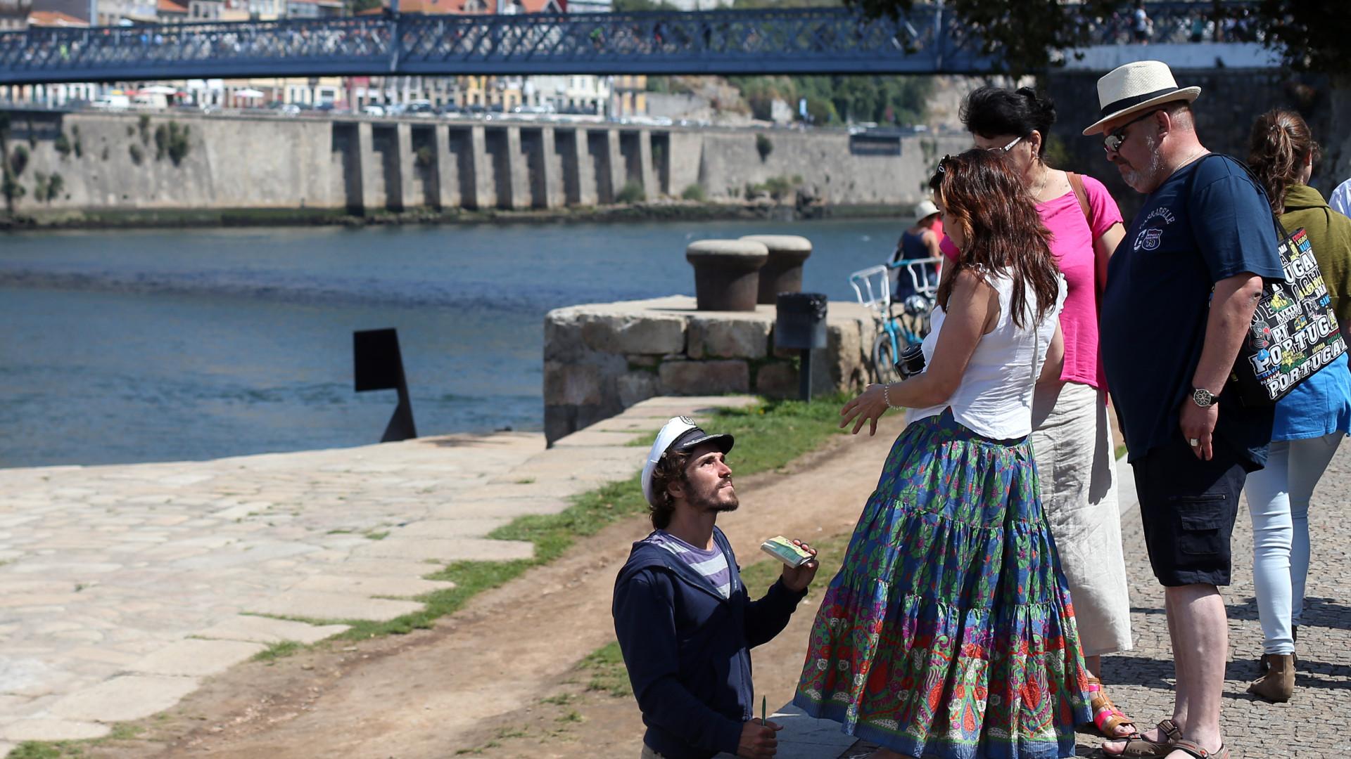 Porto aprova aplicar taxa turística de dois euros a partir de 1 de março