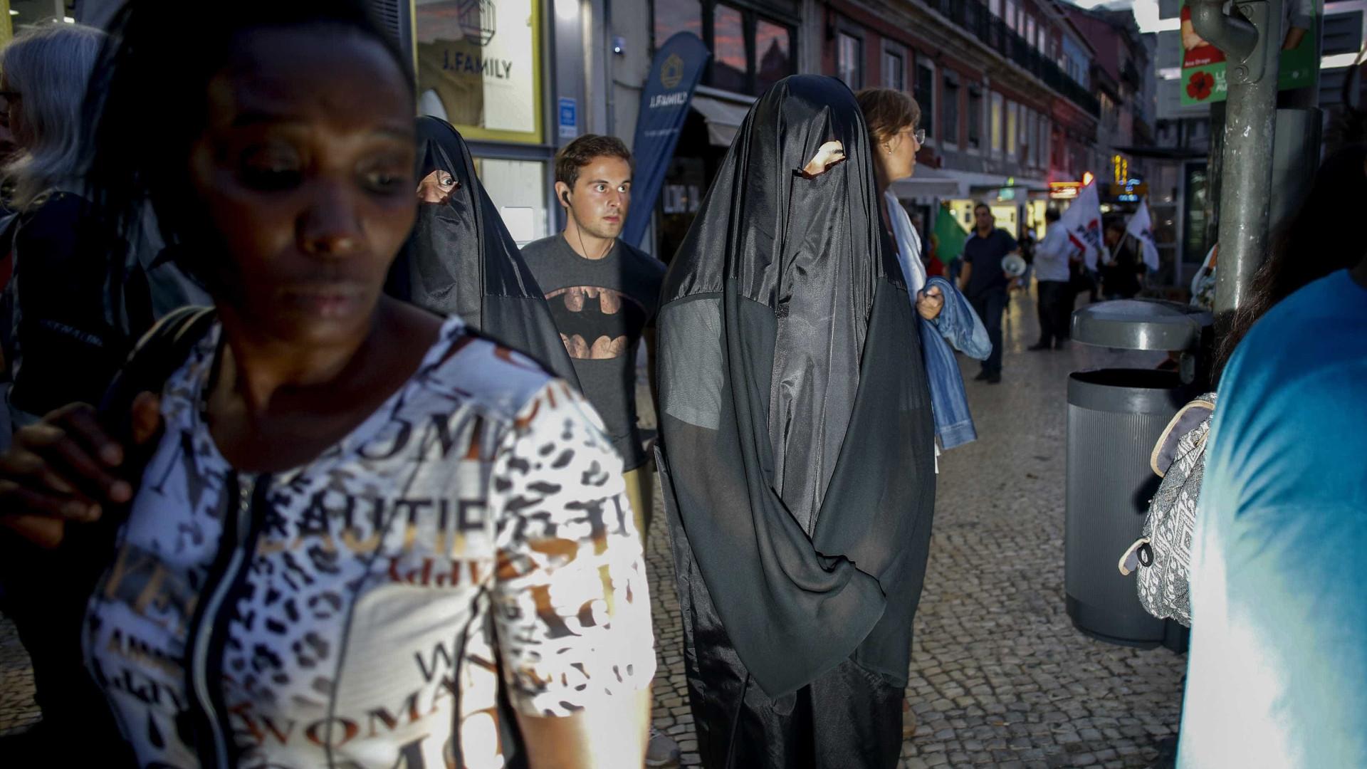 Suíça vai referendar uso de máscaras ou burcas muçulmanas