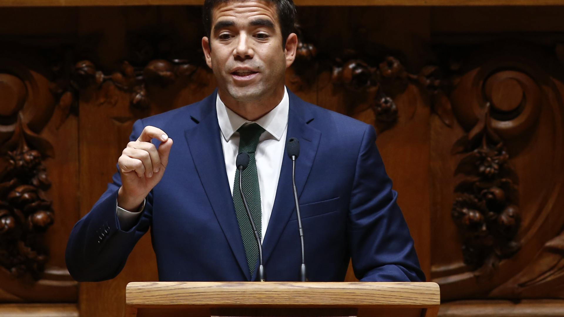 PSD quer forçar Governo a retomar negociações com professores