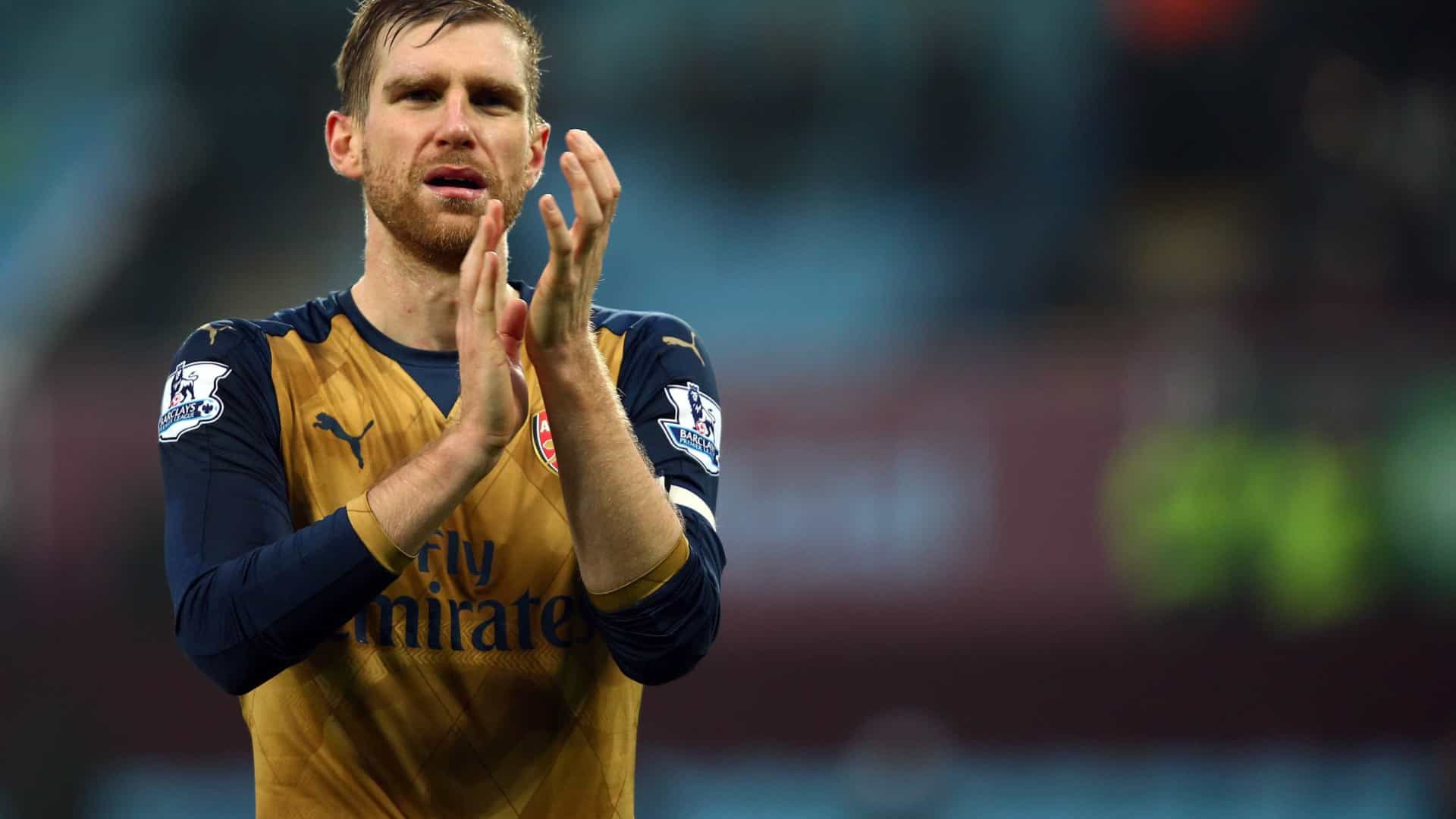 6972b83e27 Arsène Wenger nomeou novo capitão de equipa para o Arsenal