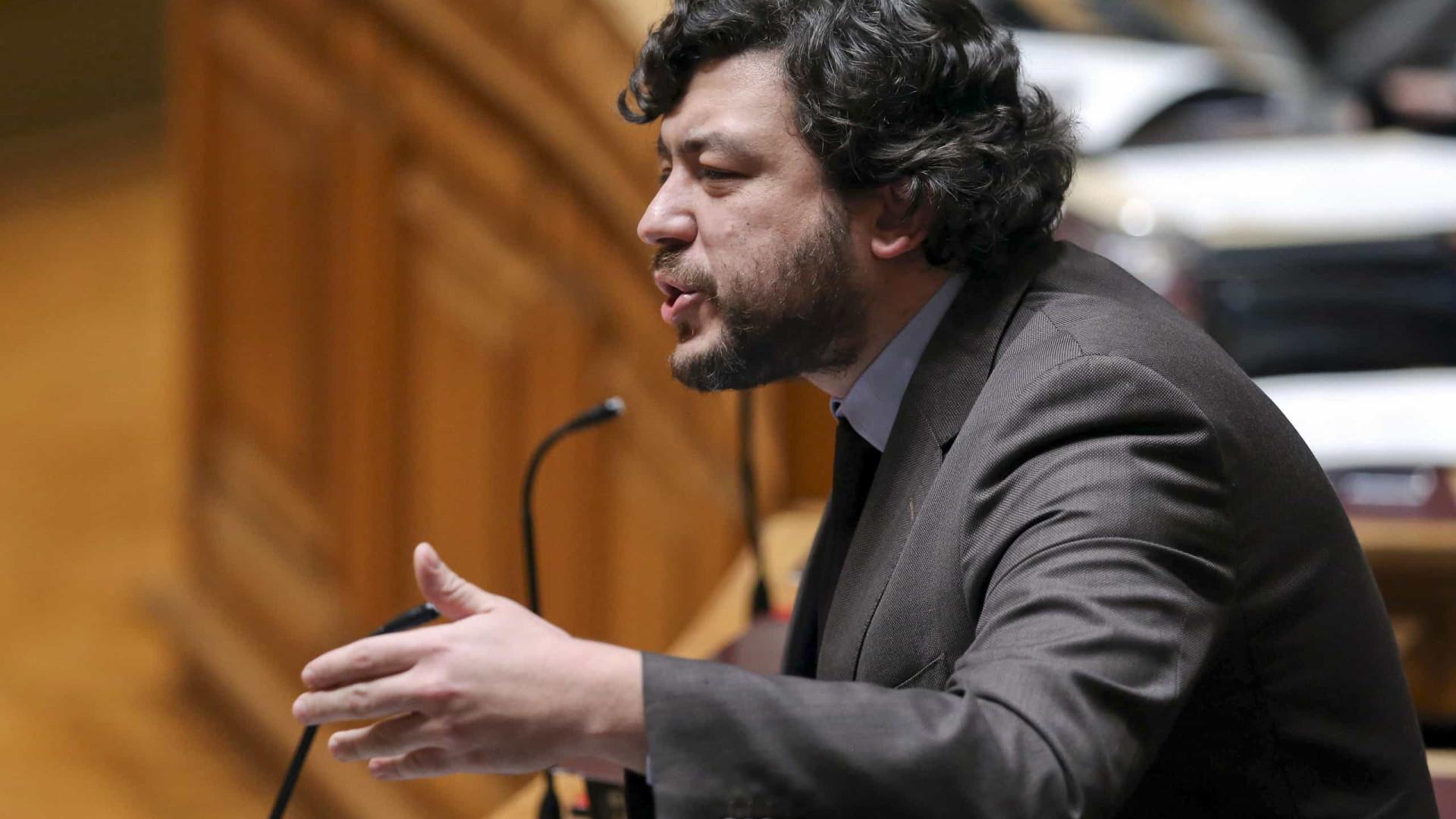 Tancos: PS acusa PSD de tentar credibilizar relatório sem suporte real