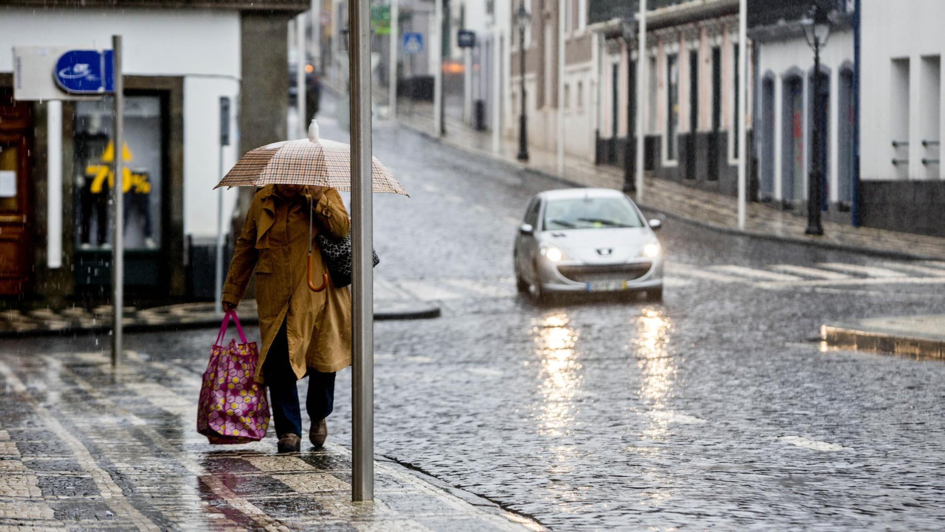 Emitido aviso amarelo para duas ilhas dos Açores devido à chuva