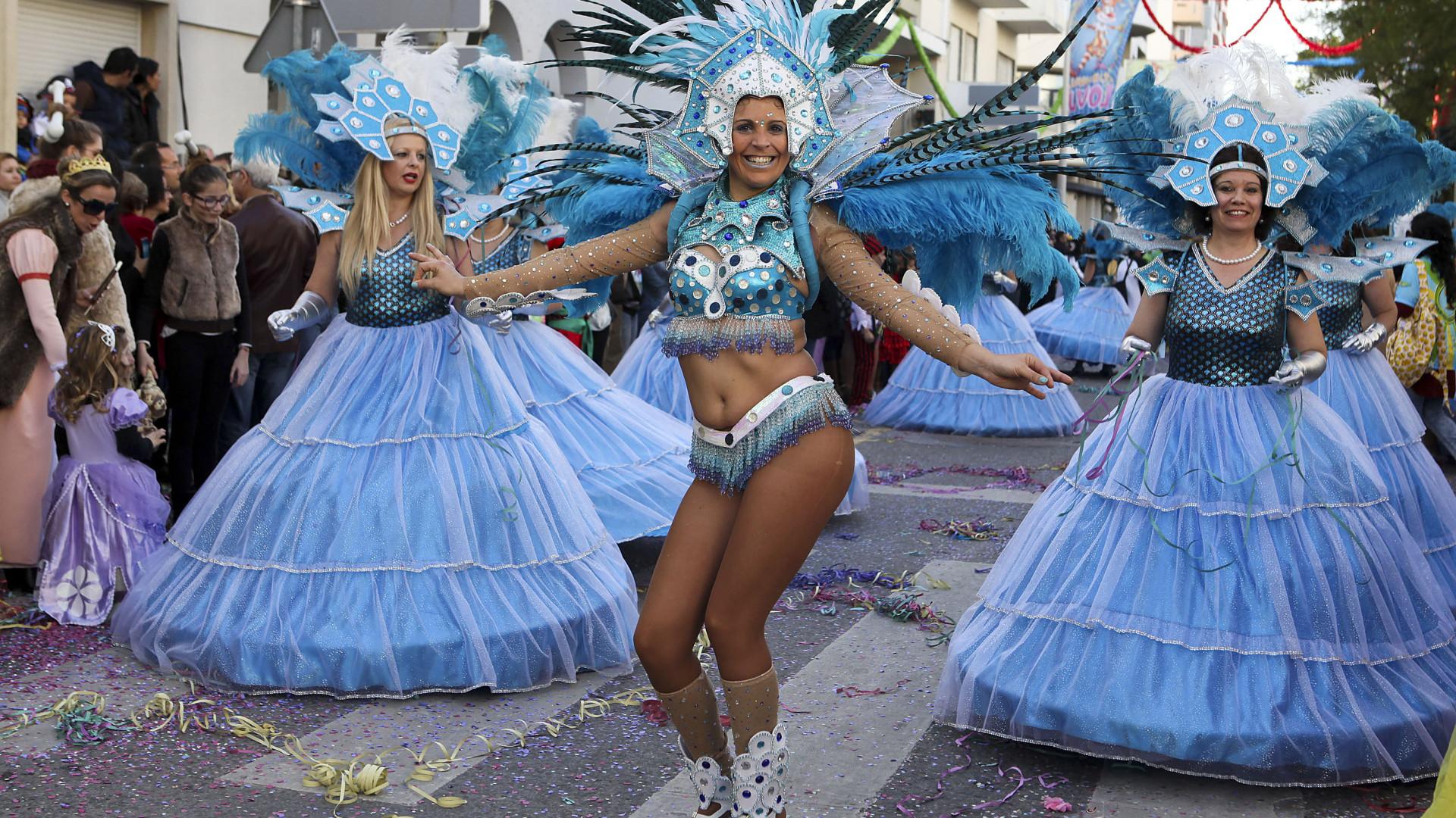 Milhares festejam hoje o Carnaval por todo o país