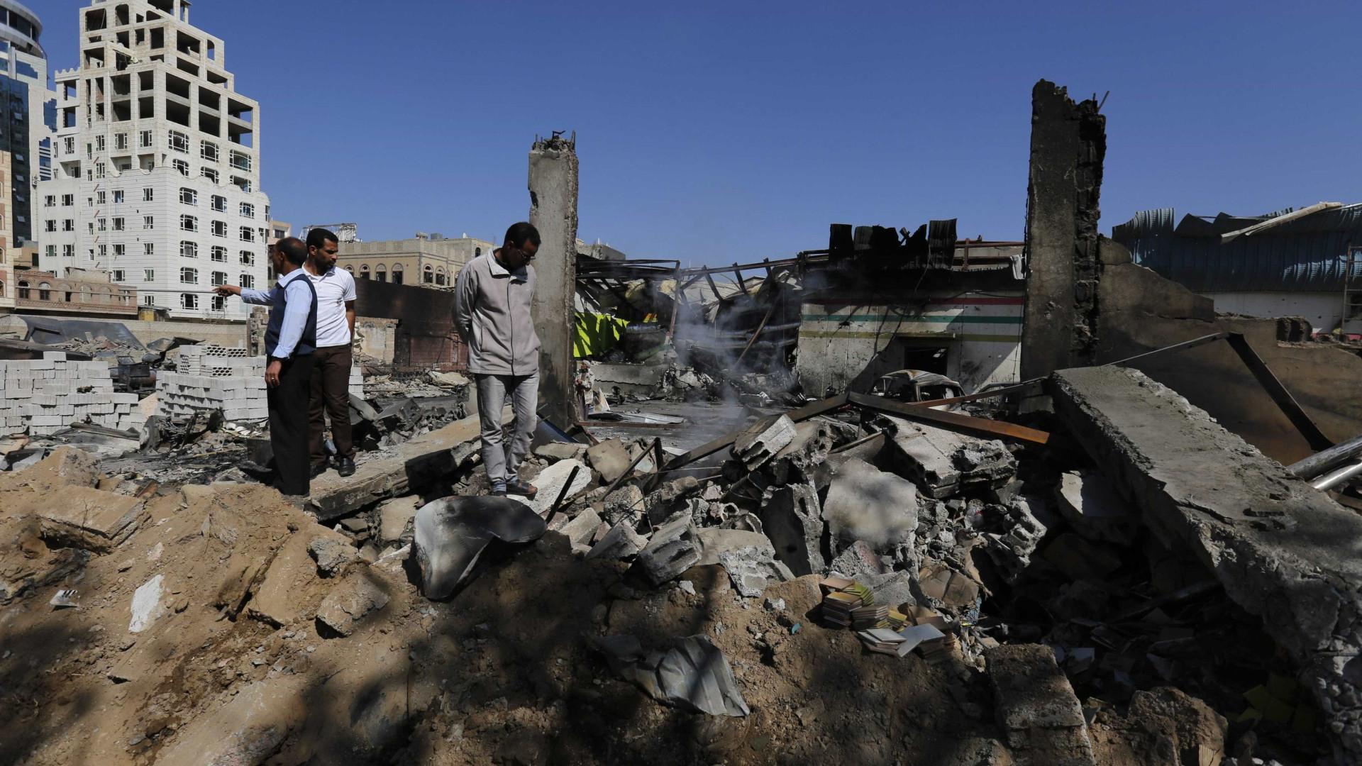 Bombardeamento aéreo mata doze civis no Iémen