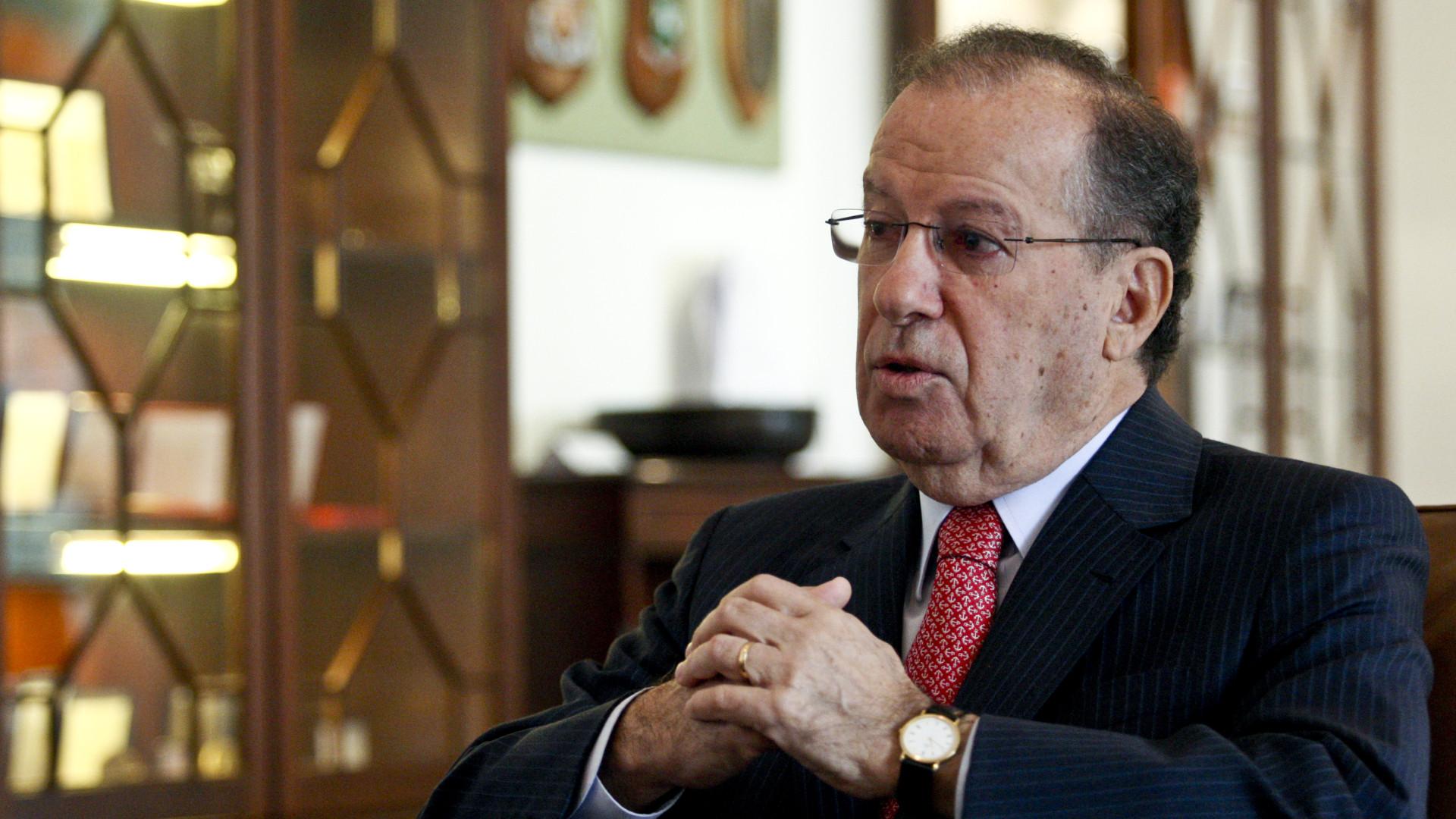 """Apelo à colaboração """"estreita"""" entre assembleias da República e Regional"""