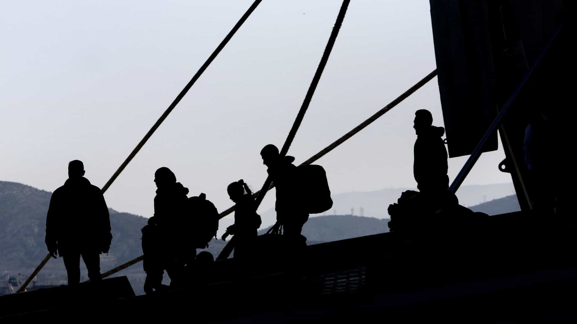 Pelo menos 2,5 milhões de pessoas recorreram a traficantes para migrarem