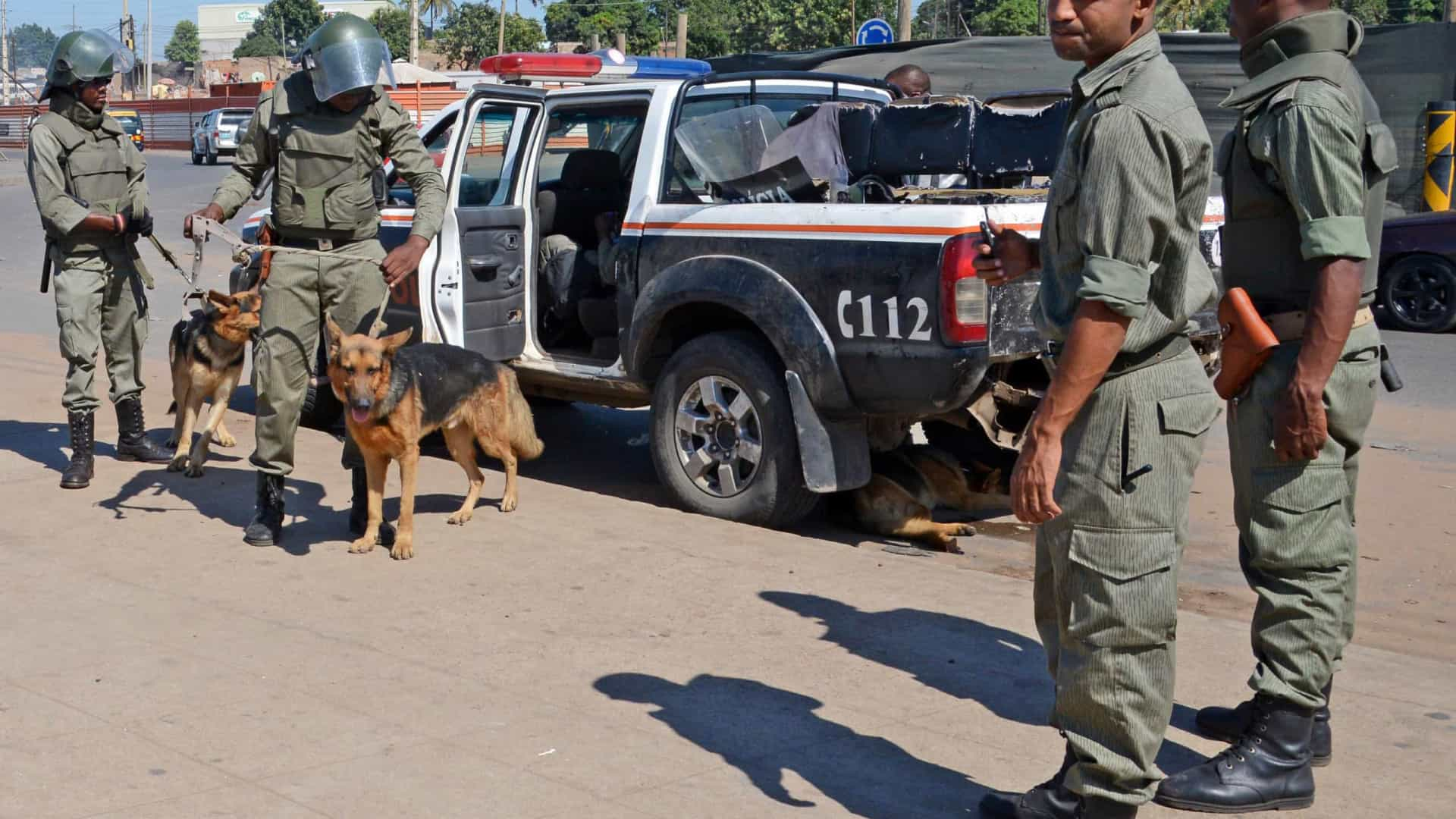 Três detidos por crimes violentos fugiram do comando da polícia em Maputo