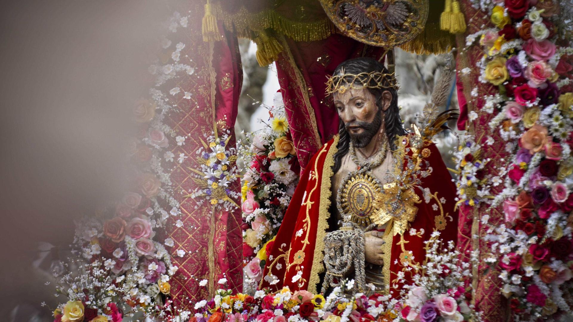 Marcelo participa na procissão do Santo Cristo no domingo nos Açores