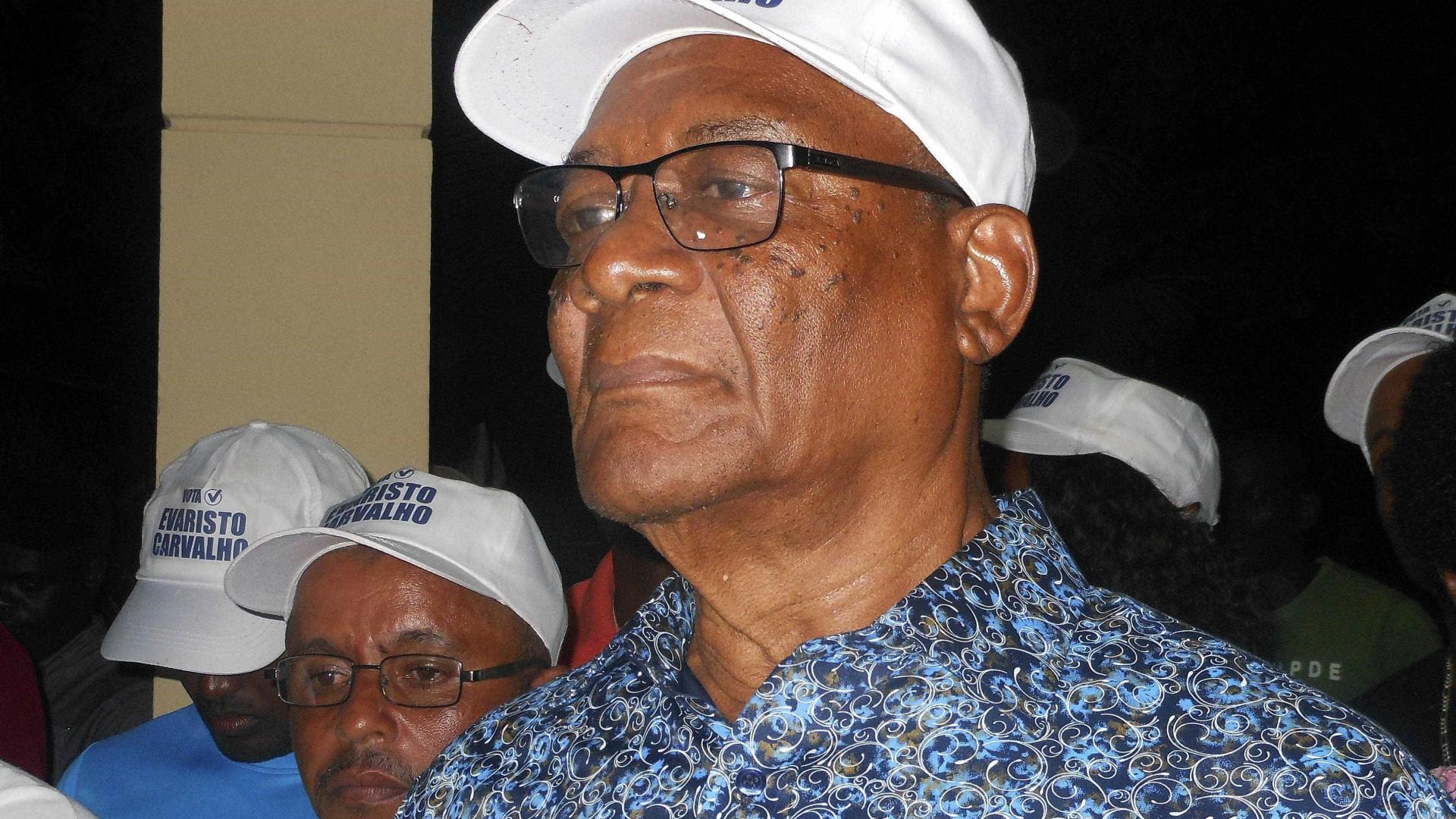 """Presidente são-tomense quer mais """"esforço interno"""" para desenvolver país"""