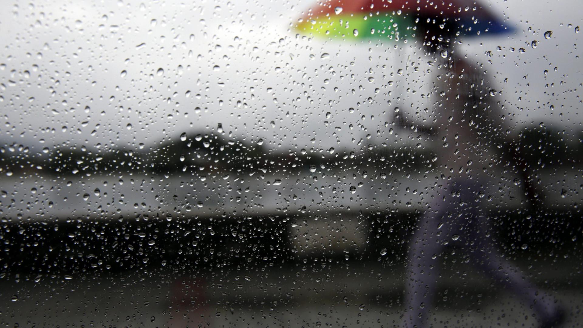 Chuva provoca dezenas de inundações em Lisboa e no Porto