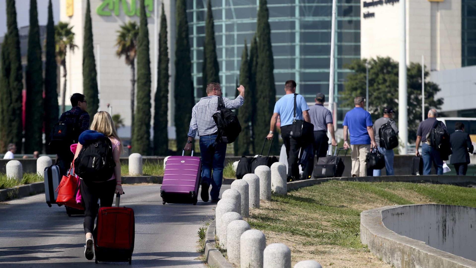 """Plenário do SEF amanhã deve causar """"problemas"""" no aeroporto de Lisboa"""