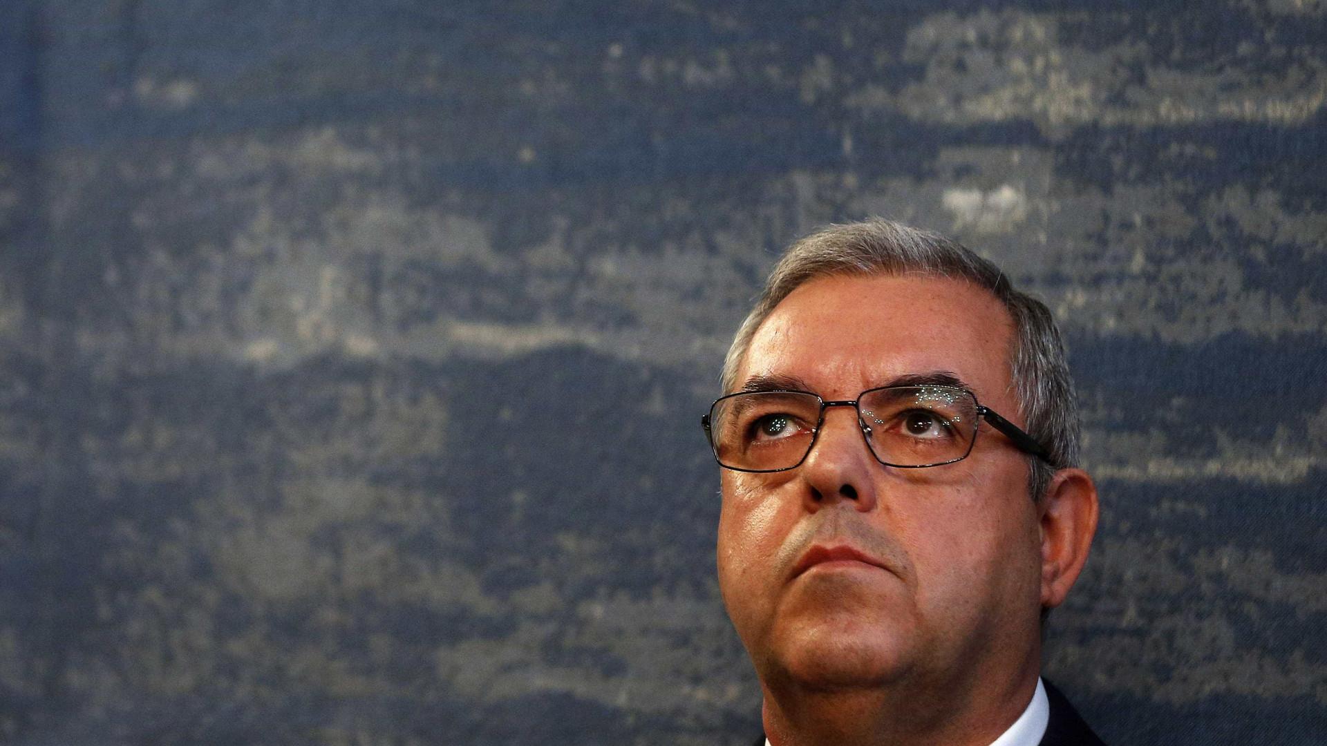 Presidente da Proteção Civil recusa falar sem analisar relatório