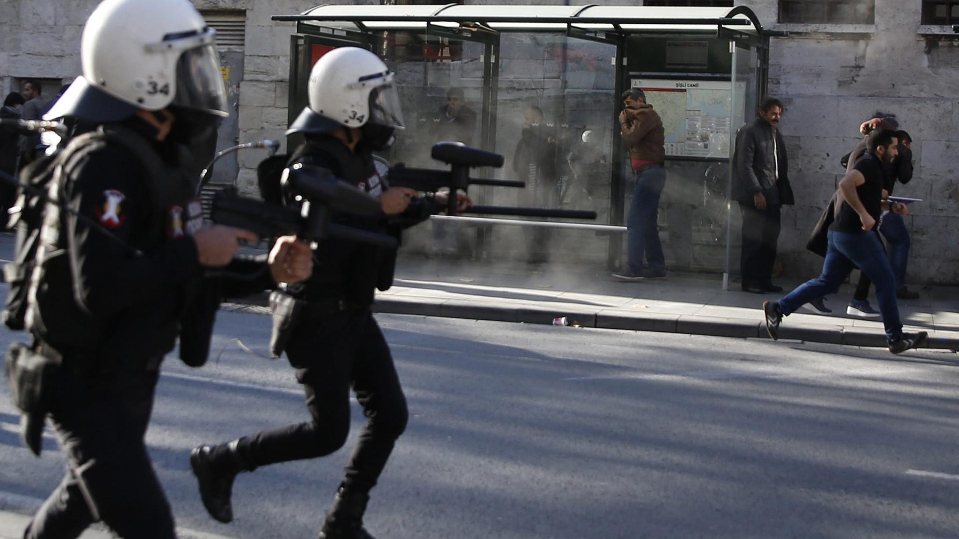 Ancara avisa Trump que vai continuar a combater milícias curdas