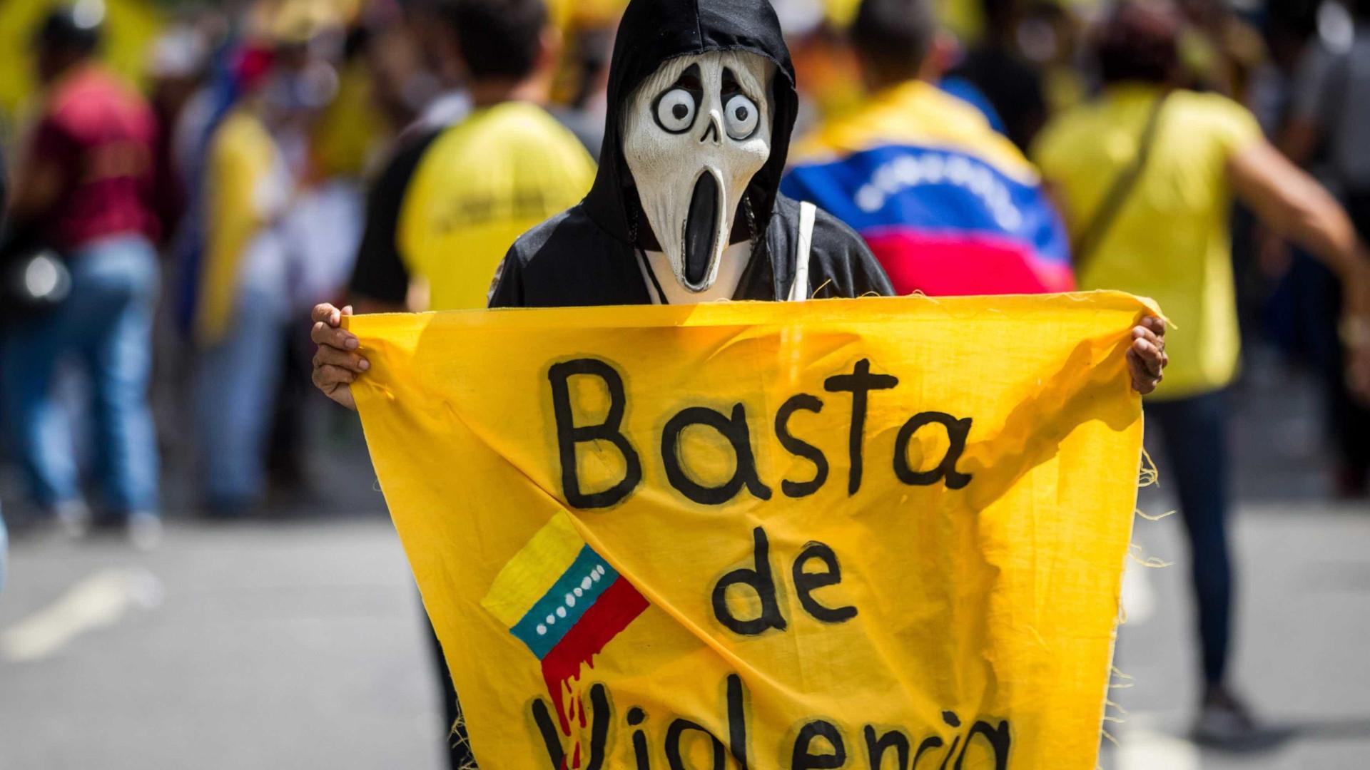 Oposição dá seis dias a Governo para cumprir acordos ou deixará diálogo