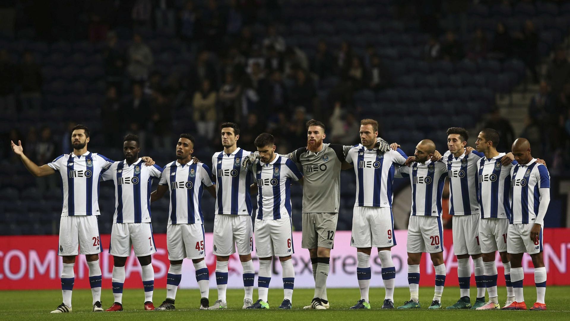 Minuto de silêncio no FC Porto-Belenenses em homenagem das vítimas