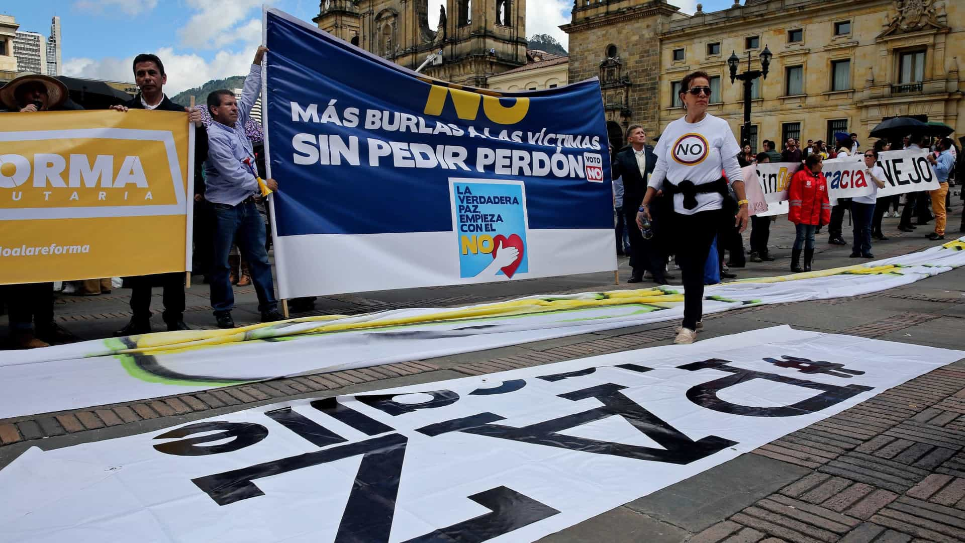 Congresso colombiano ratifica novo acordo de paz com as FARC