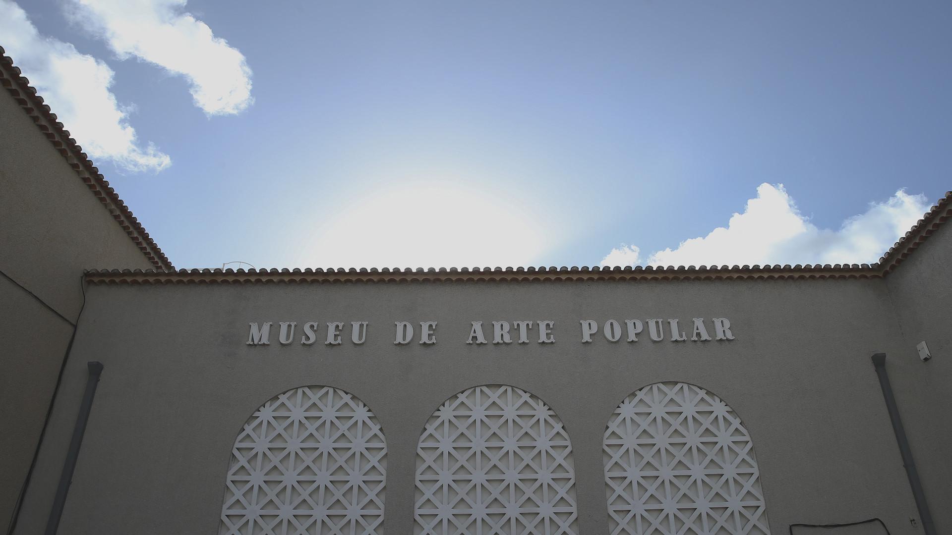 Museu de Arte Popular com fluxo constante de visitantes e propostas