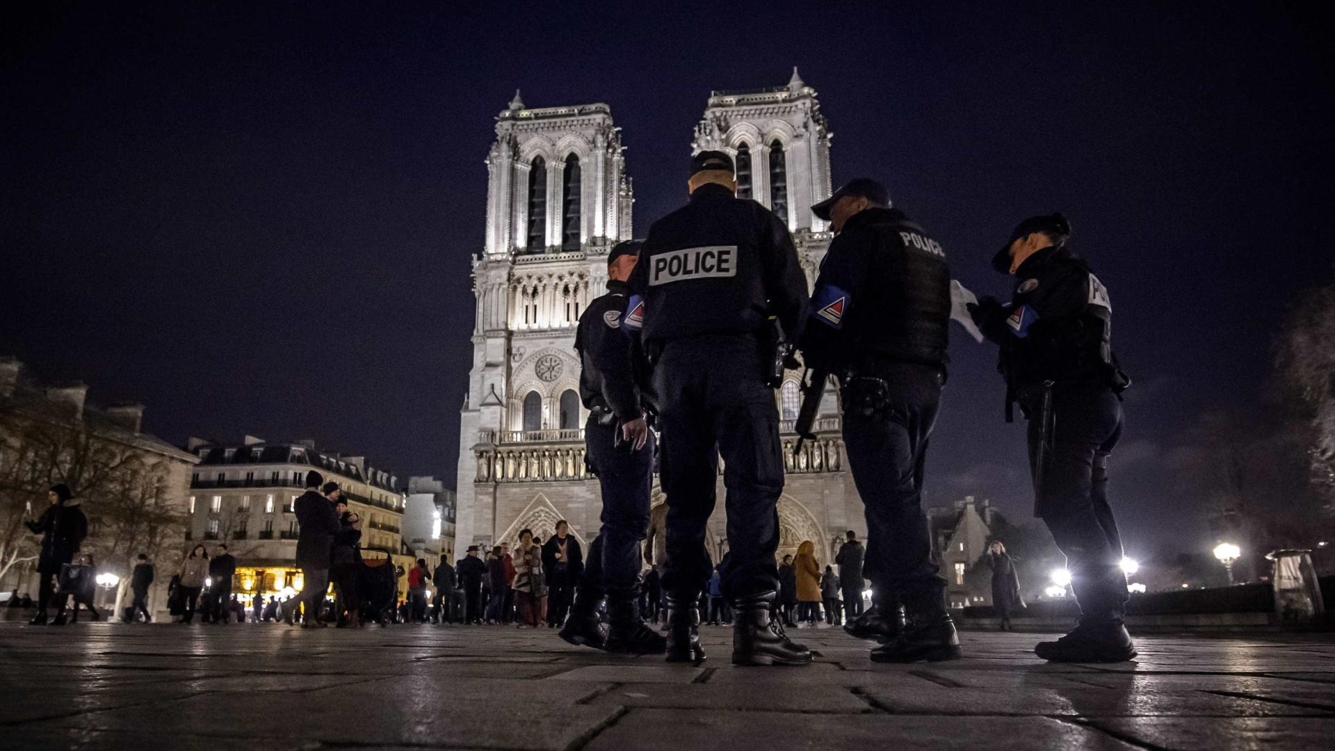 Dois alegados cúmplices do atentado de Paris em 2015 acusados na Bélgica