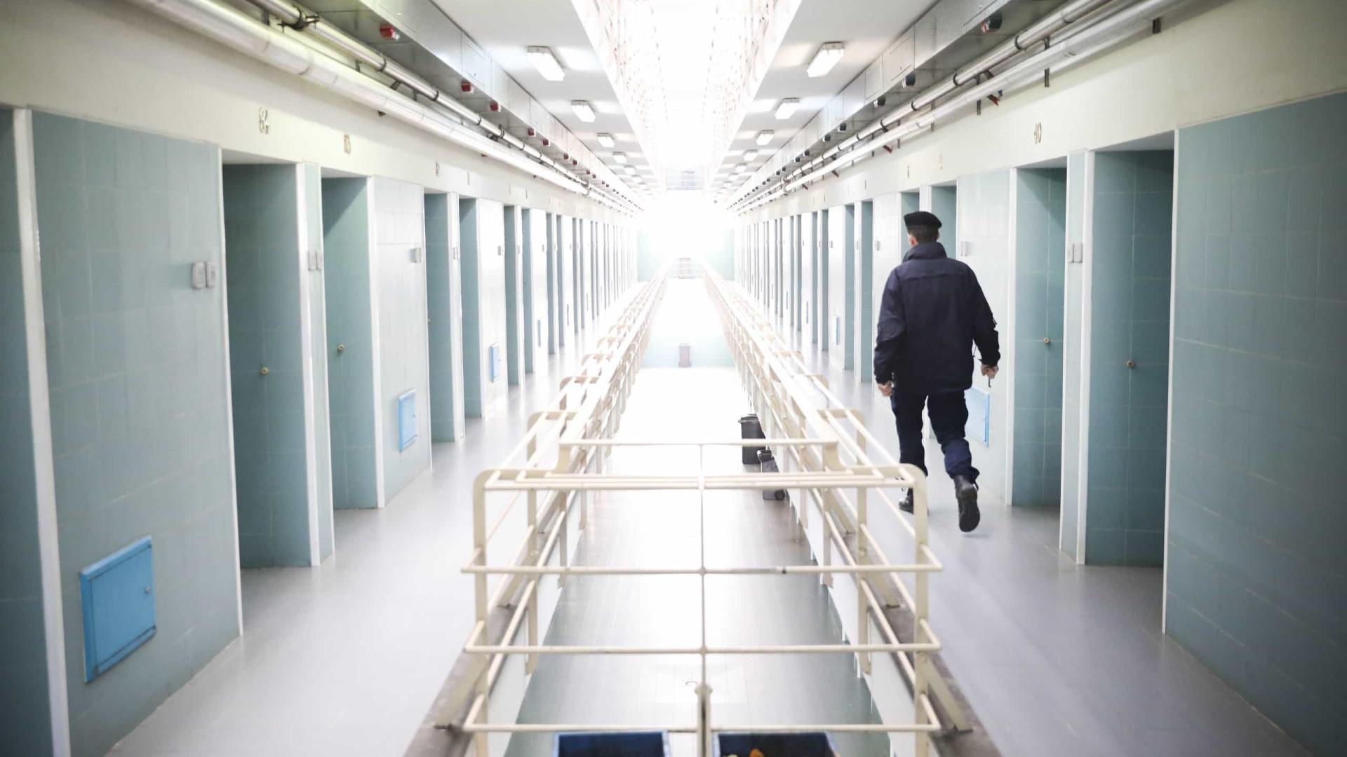 Detido homem suspeito de carjacking e resistência à autoridade