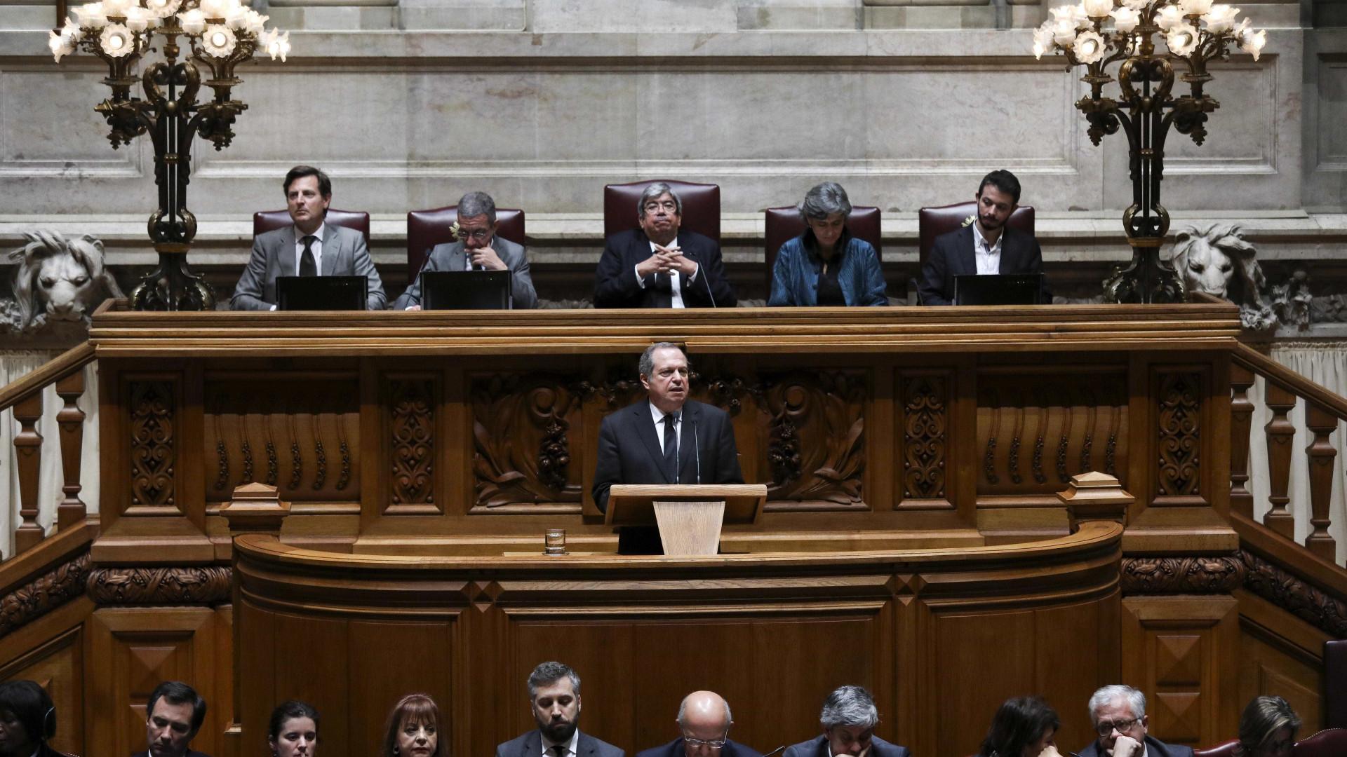"""Soares: Presidente do PS evoca o político que """"nunca faltou ao seu país"""""""