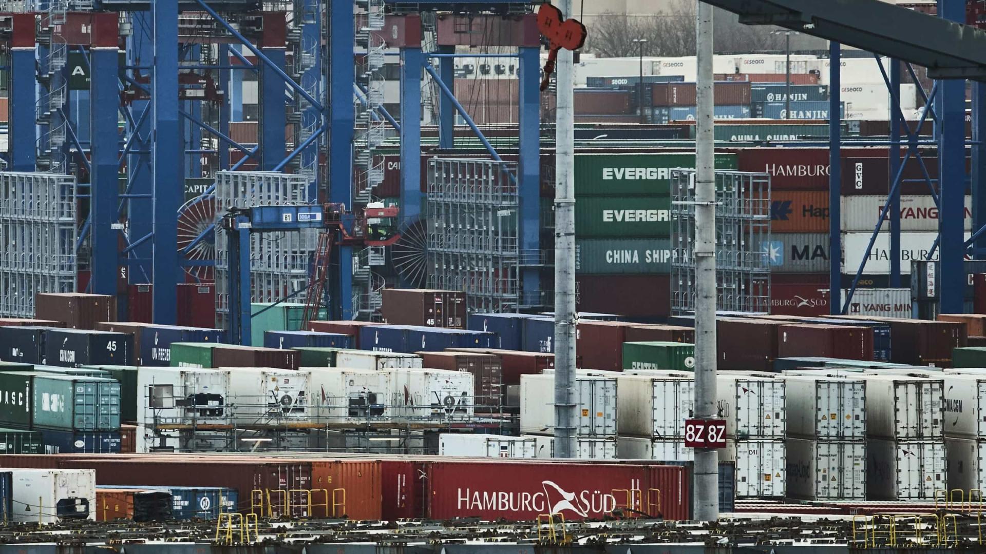 Excedente da zona euro recua para 21,4 mil milhões no comércio externo