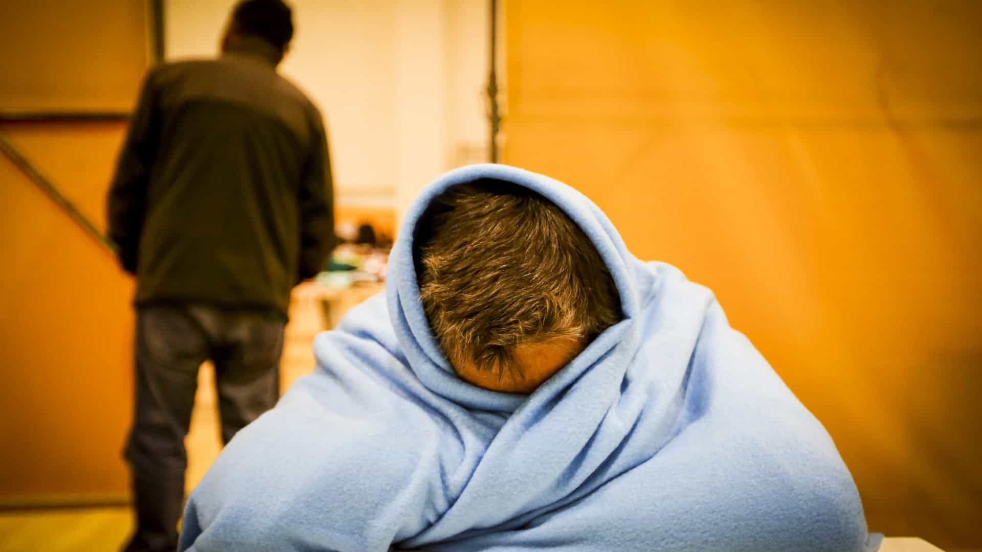 Plano de apoio aos sem-abrigo contra frio ativado às 19h de amanhã