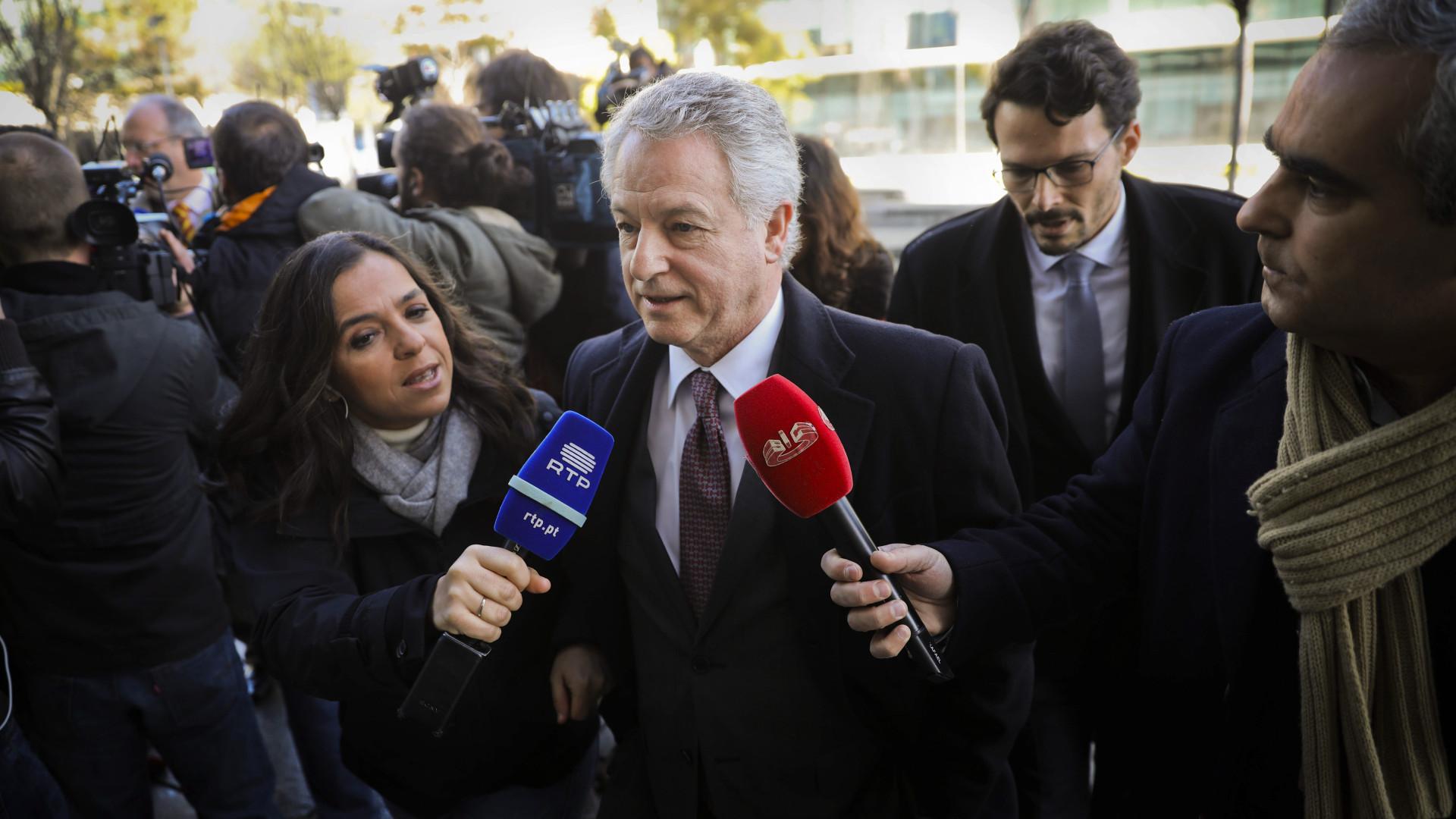 """Vistos Gold: """"Tudo era pago por Angola"""" na cooperação sobre Registos"""