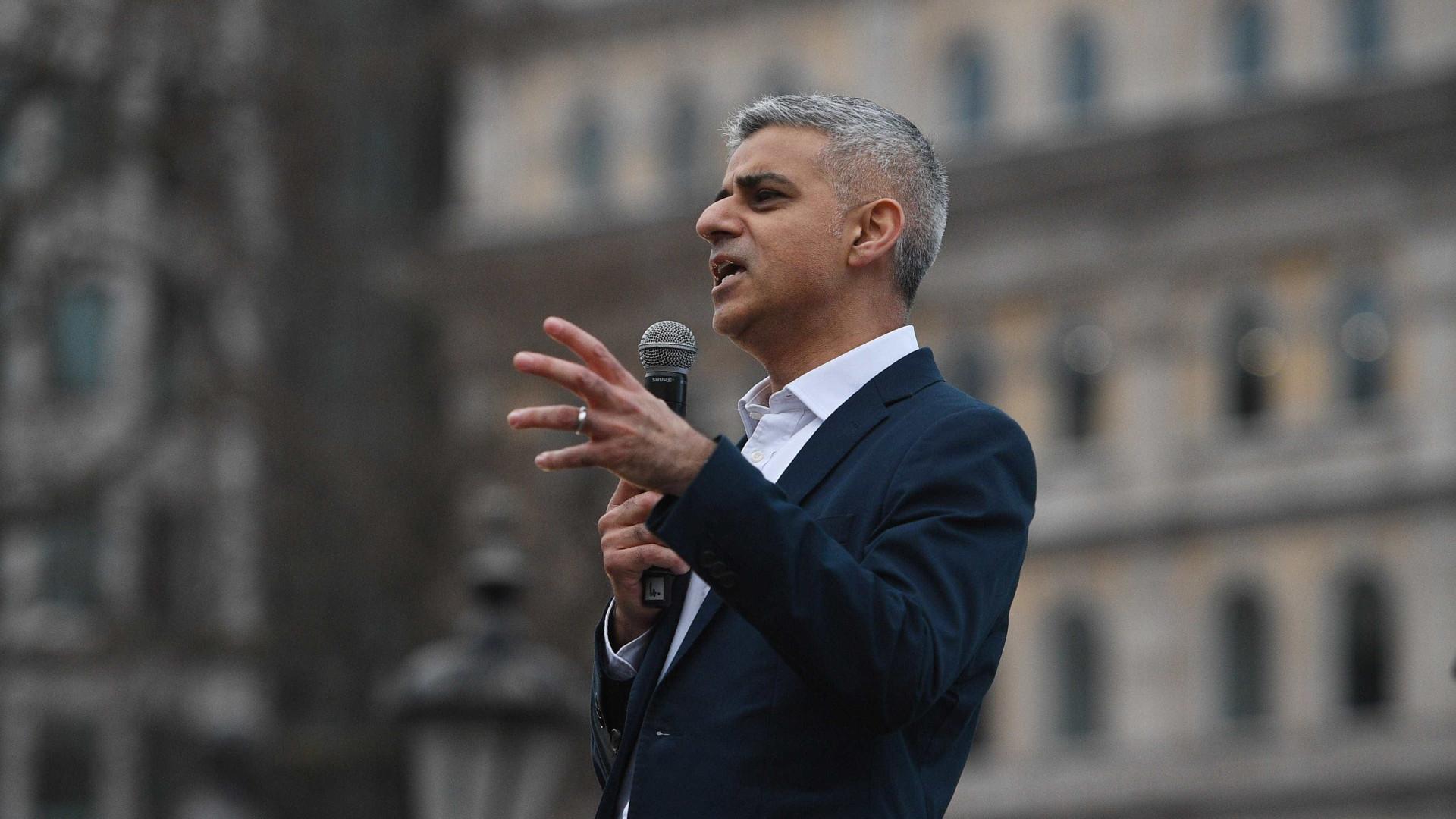 Trump critica prefeito de Londres por pedir calma após ataque