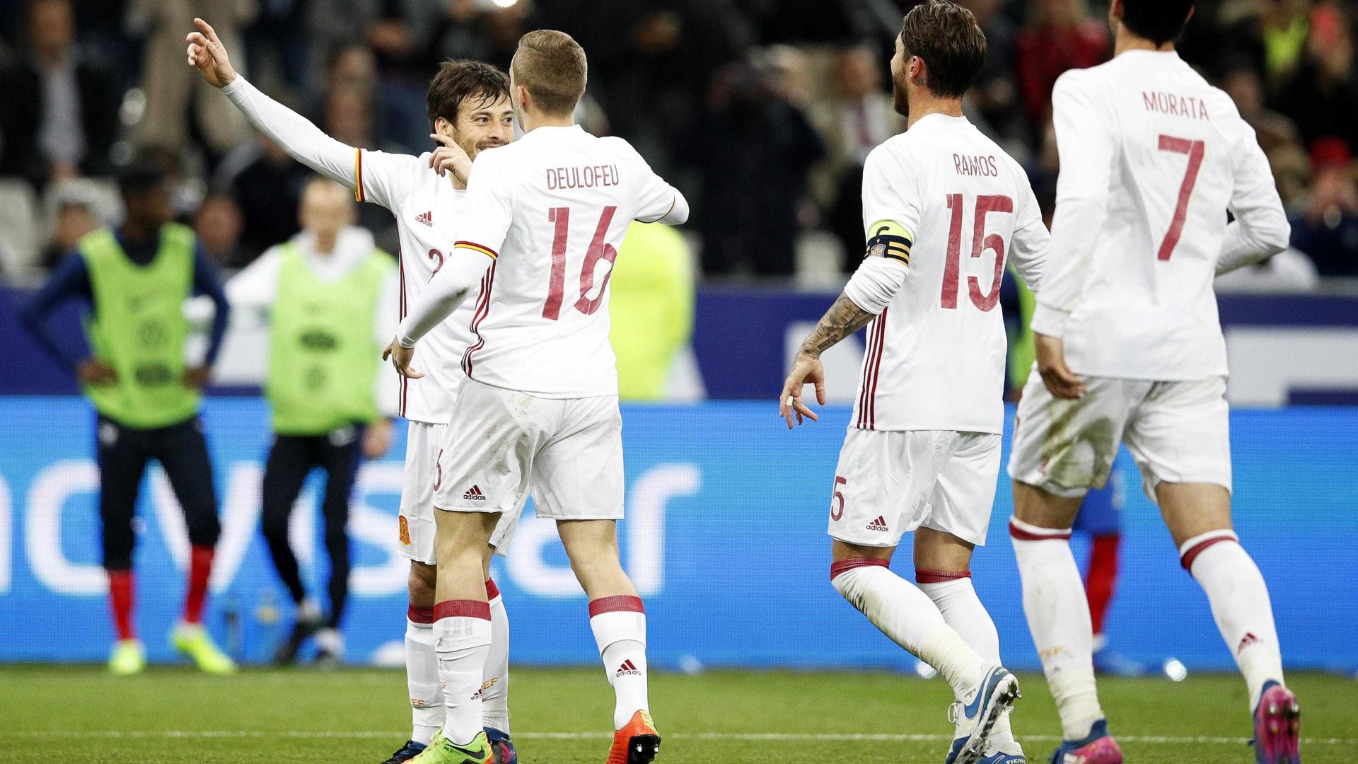 Notícias ao Minuto - Espanha bate França em Paris. Holanda perde com ... 28dffa76110e3