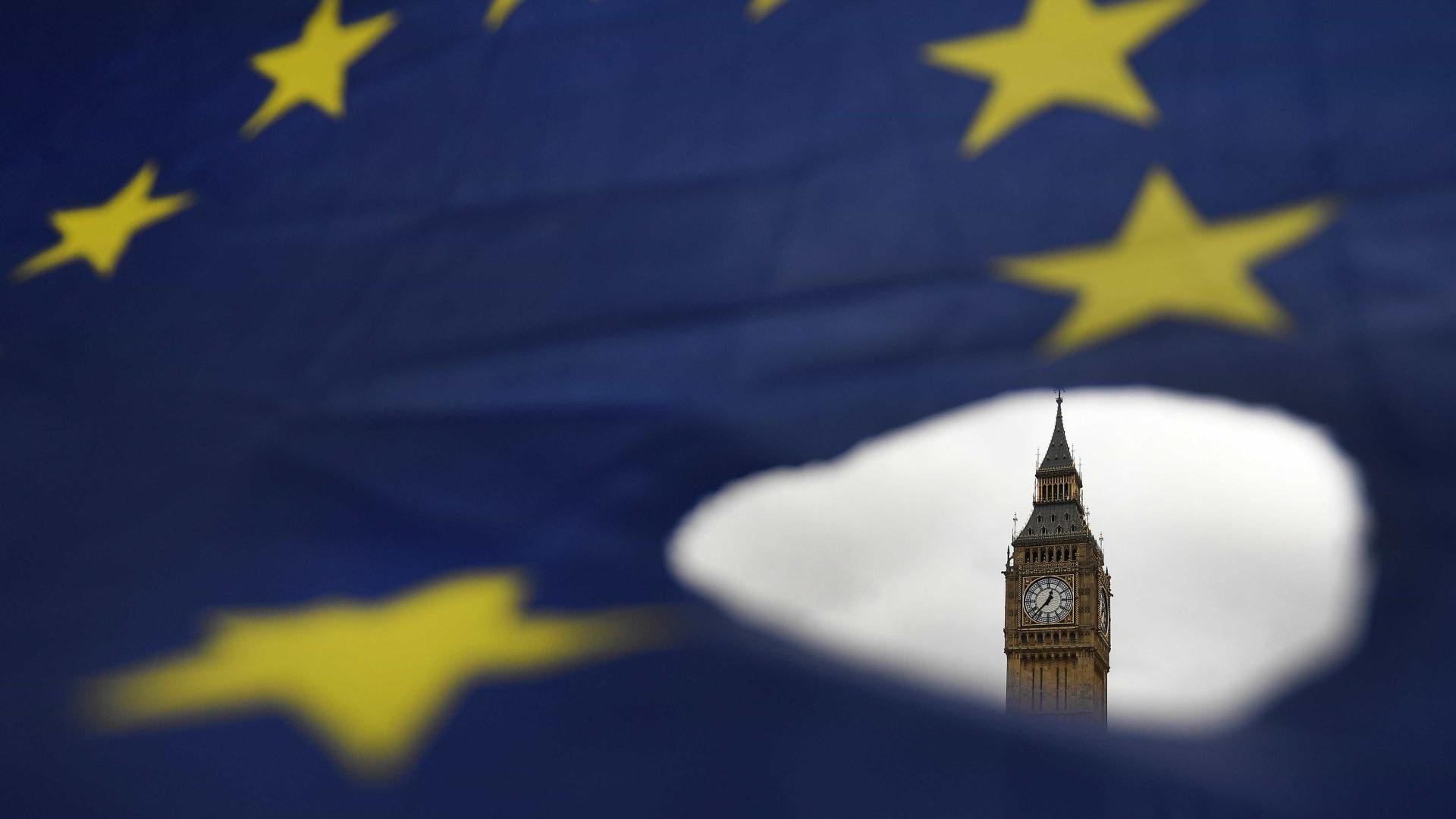 """Londres quer período de transição """"limitado"""" após saída da União Europeia"""