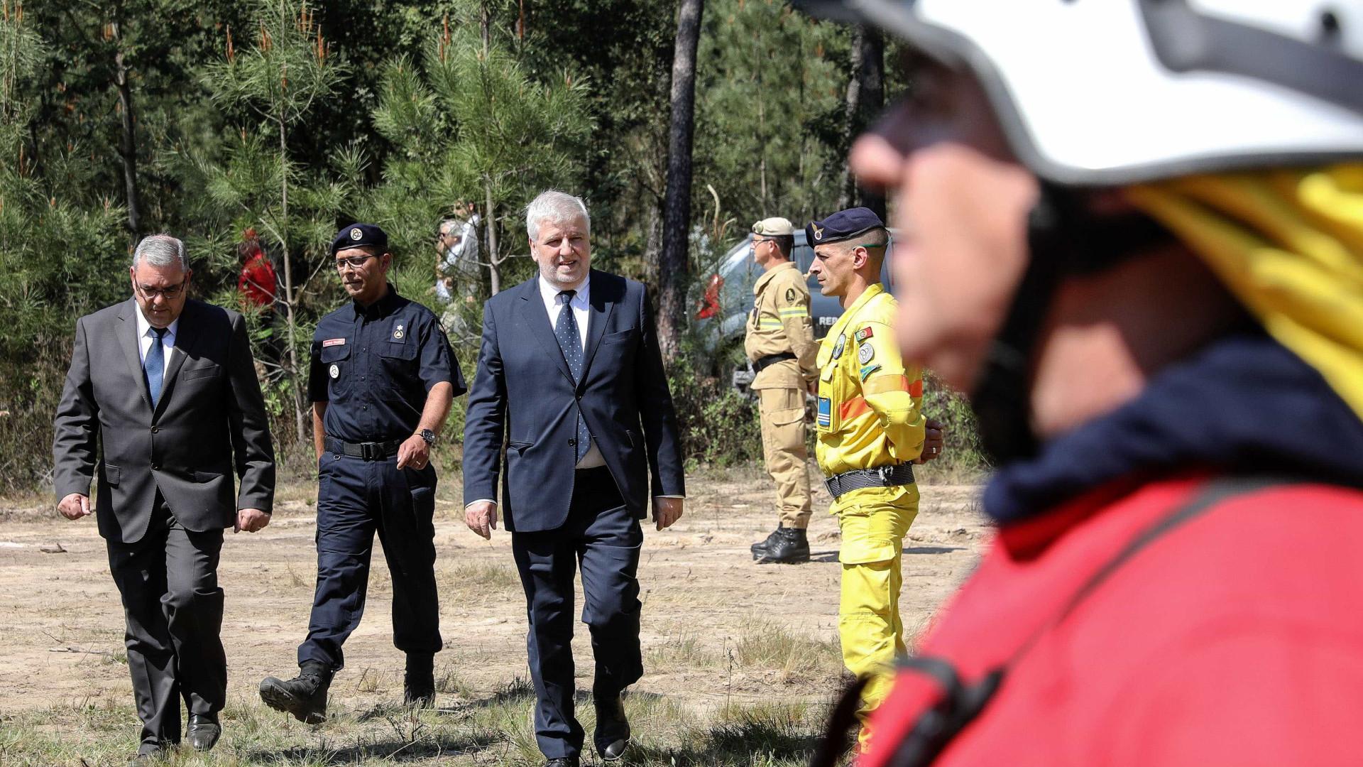 PSD questiona Governo sobre deslocação de bombeiros de comboio