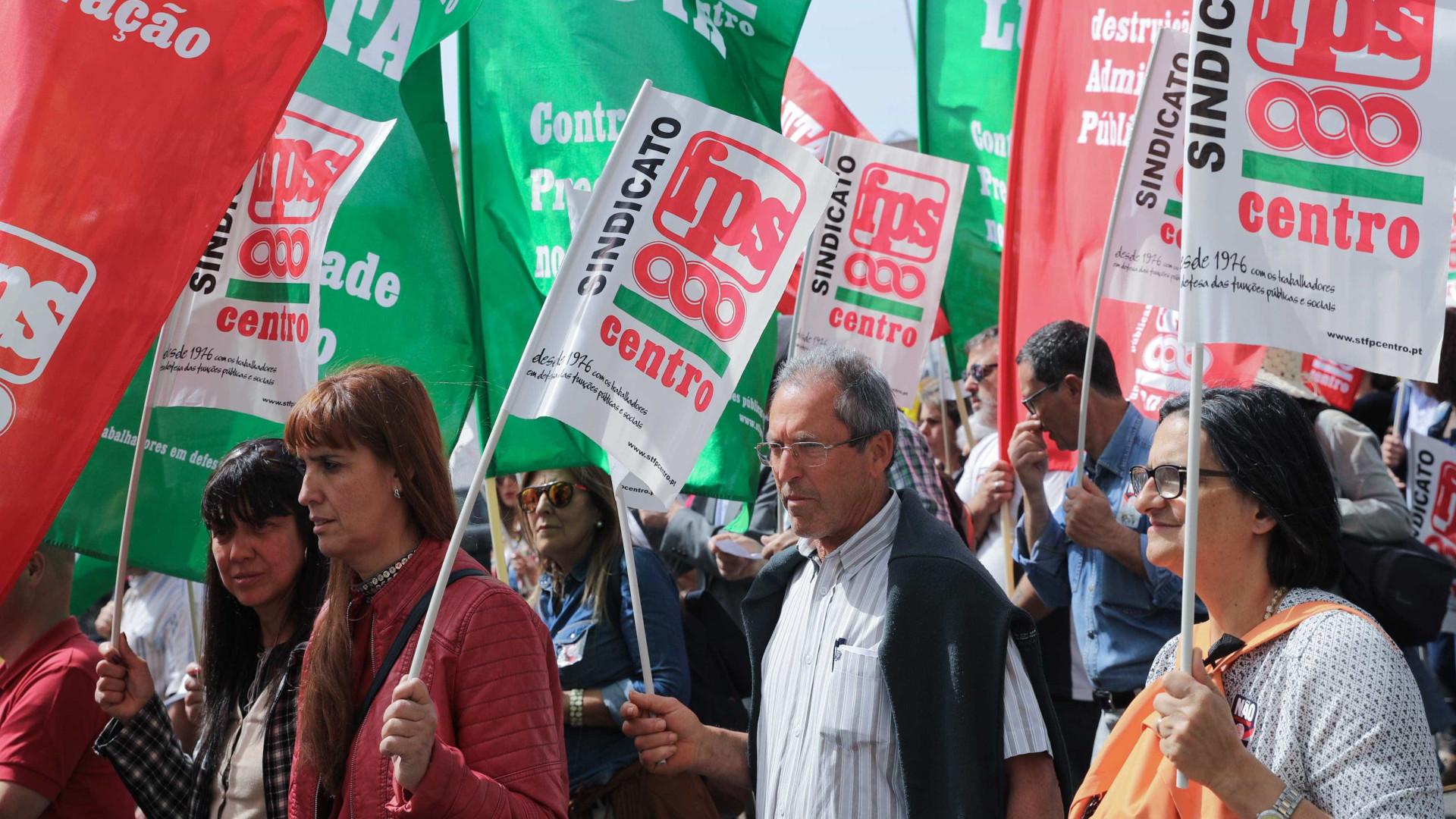 Funcionários das escolas rejeitam mais promessas e exigem soluções
