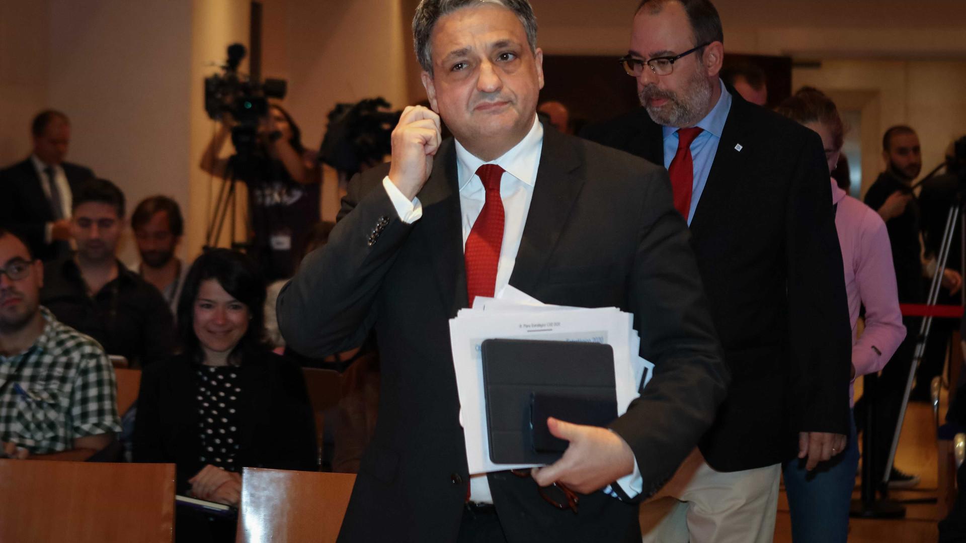 """Macedo admite subida """"sem correrias"""" das comissões bancárias na CGD"""