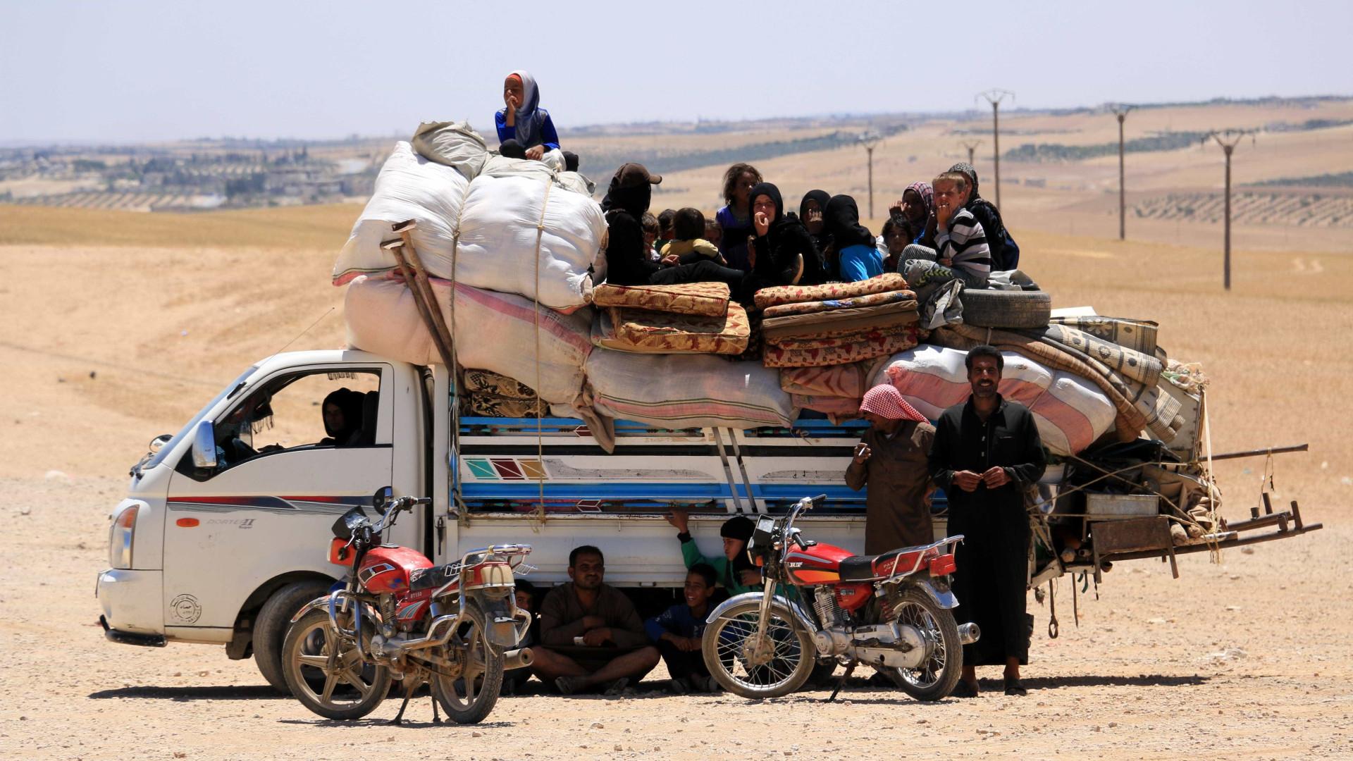 Combatentes sírios tomam partes da