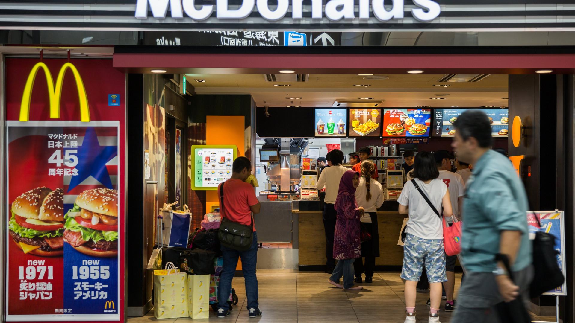 Trabalhadores do McDonald's fizeram greve nos EUA contra assédio sexual