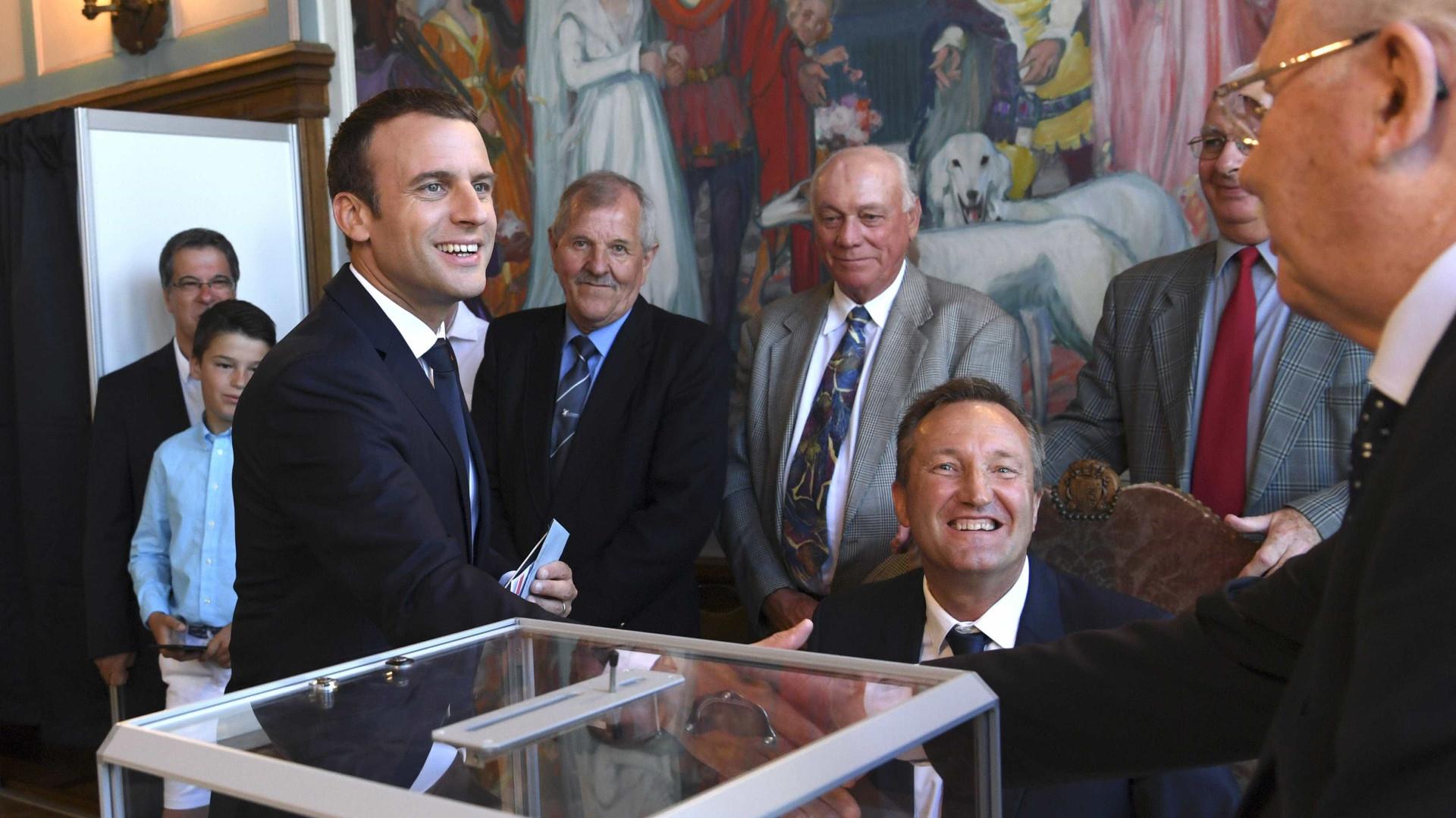 Partido de Macron conquista maioria absoluta nas eleições francesas