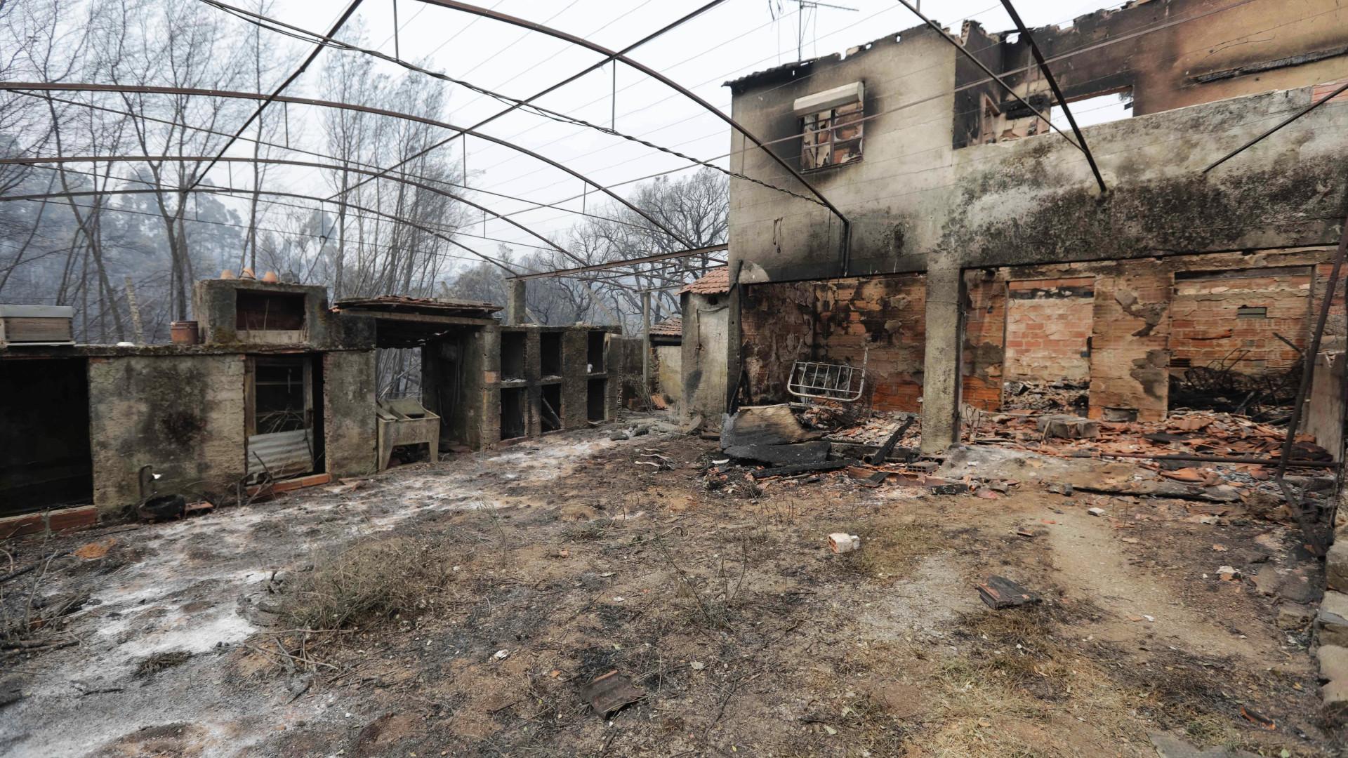 """Governo estuda solução para habitações que são """"situações mistas"""""""