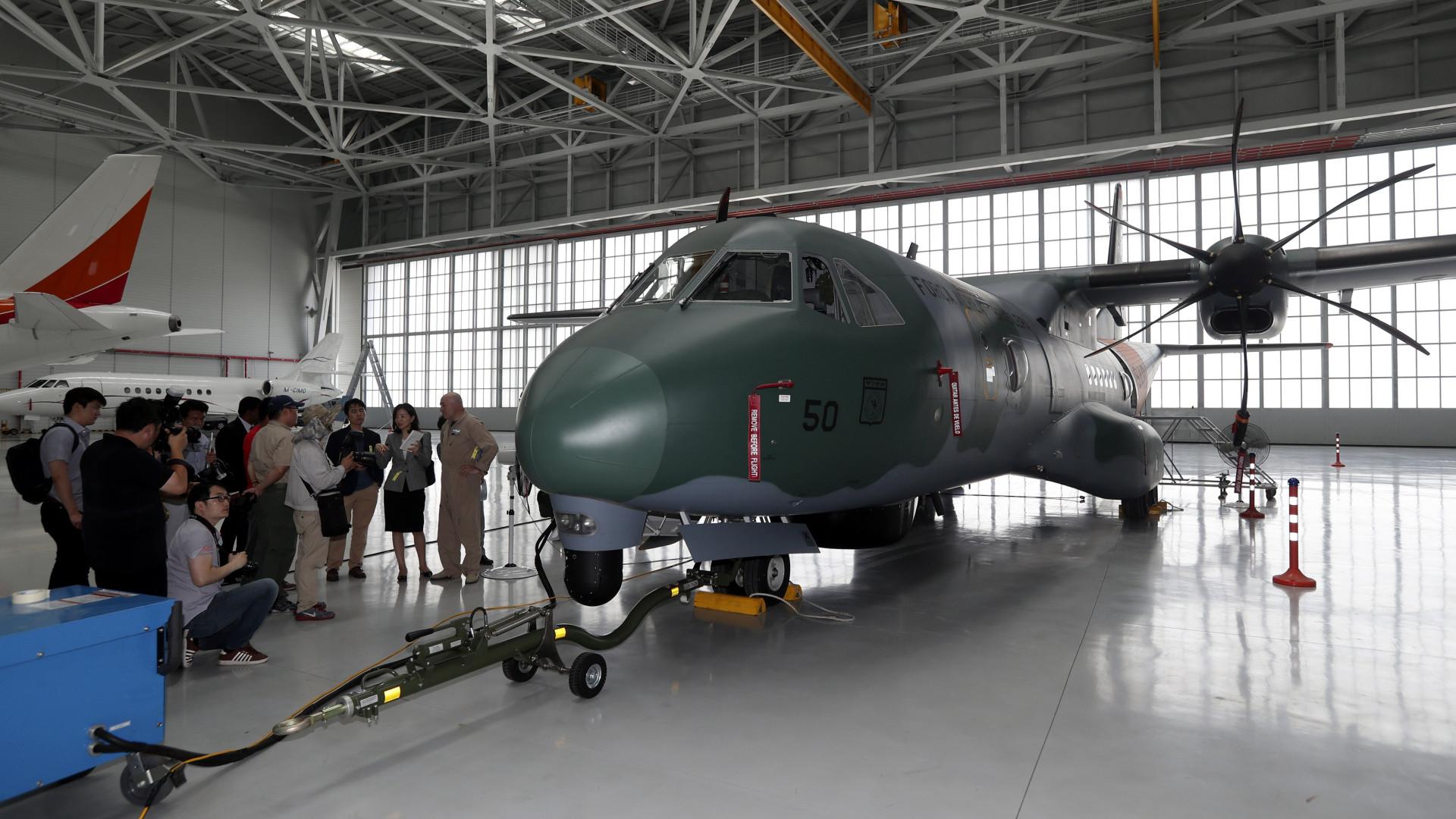 Angola encomenda três aviões Airbus C-295 por quase 160 milhões