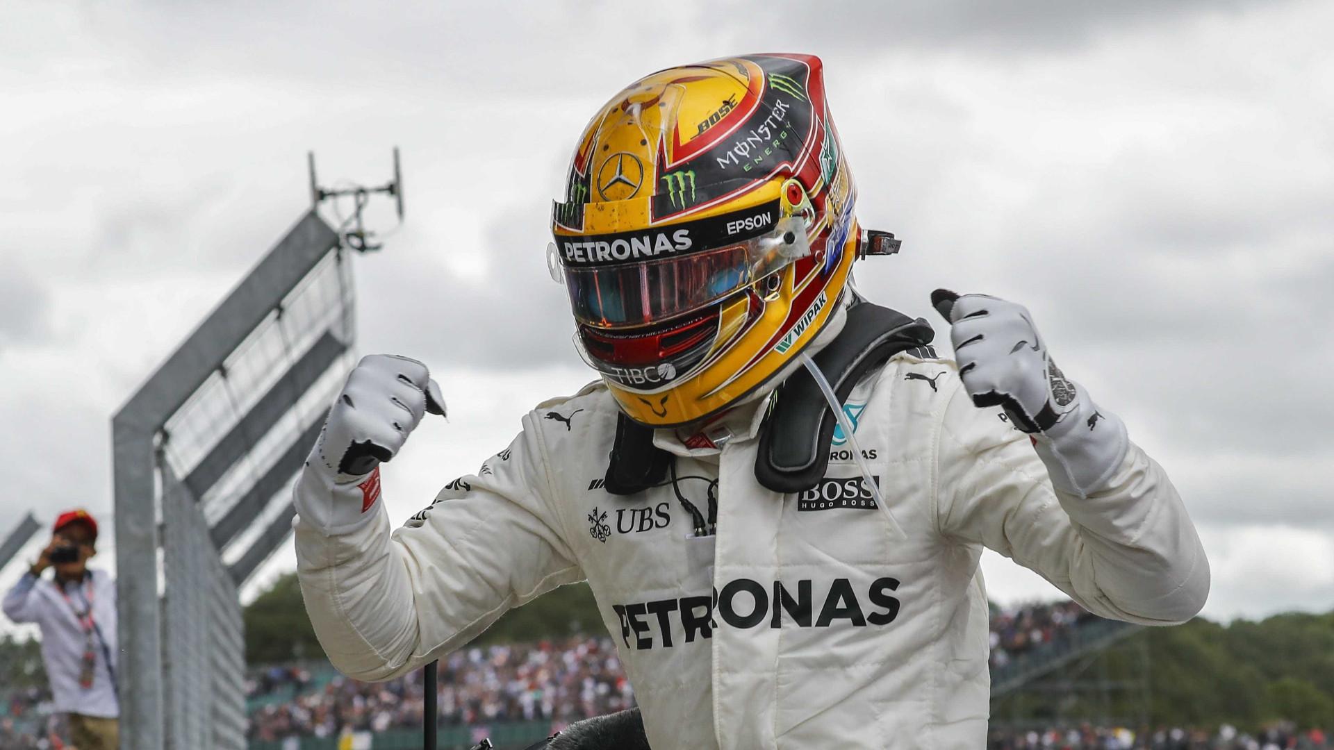 Hamilton vence GP da Grã-Bretanha e fica a um ponto da liderança