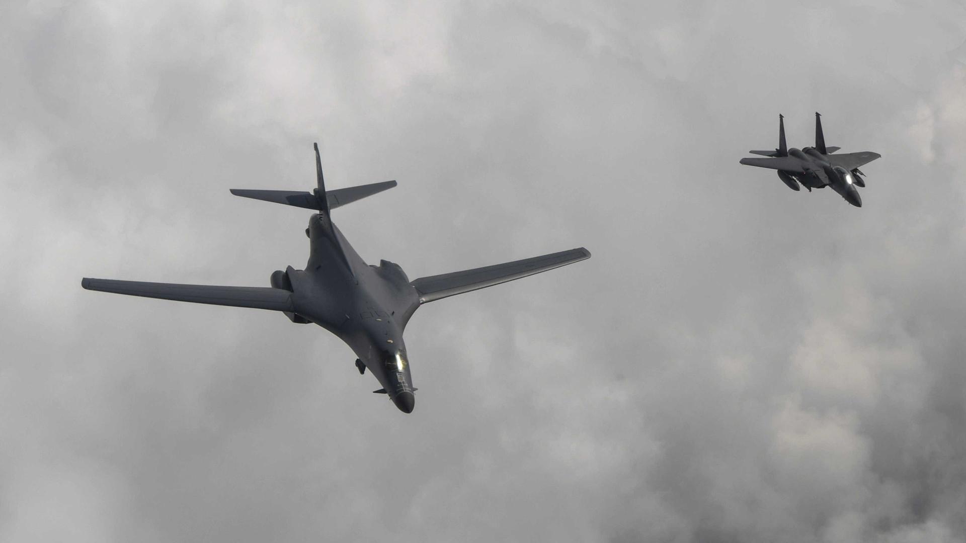 EUA fazem simulação de bombardeamento da península coreana