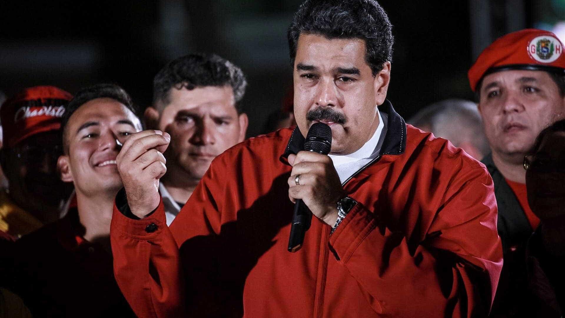 EUA impõem sanções financeiras a Maduro e congelam bens do presidente