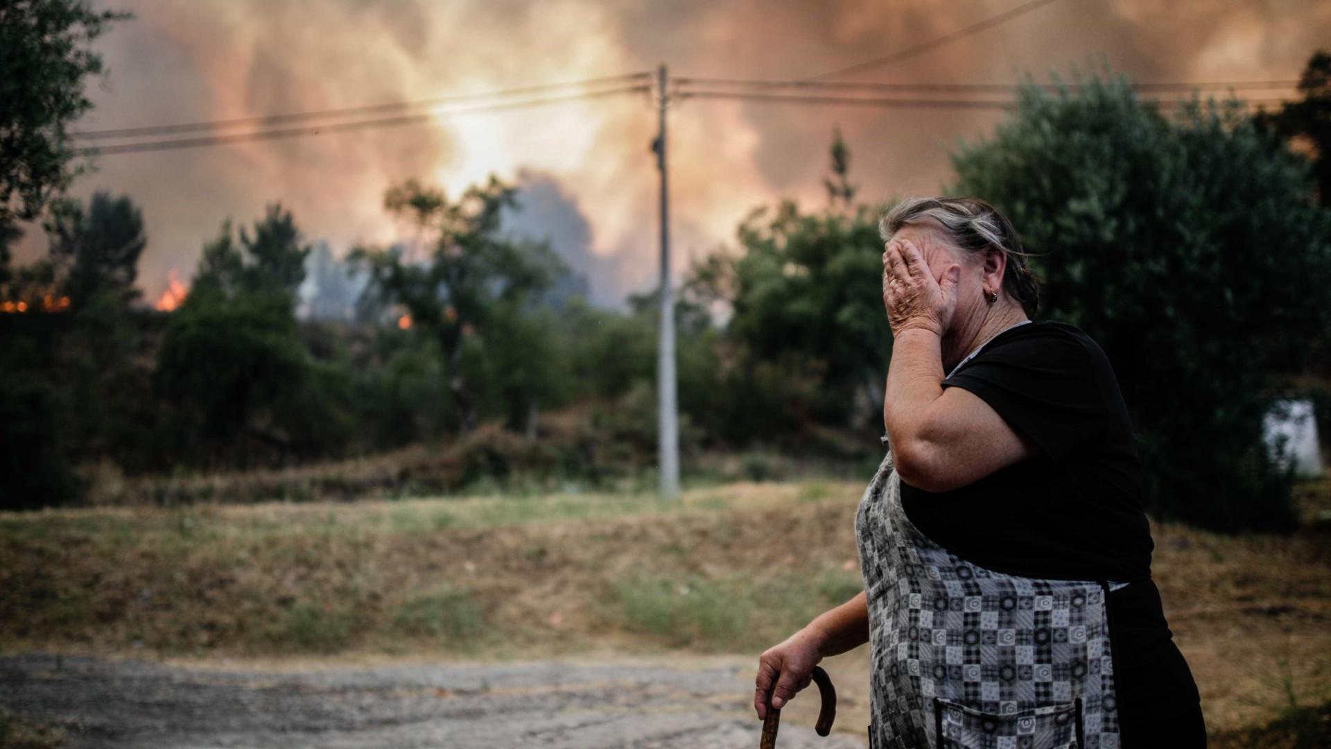 40 feridos e dezenas de pessoas retiradas de casa desde quarta-feira