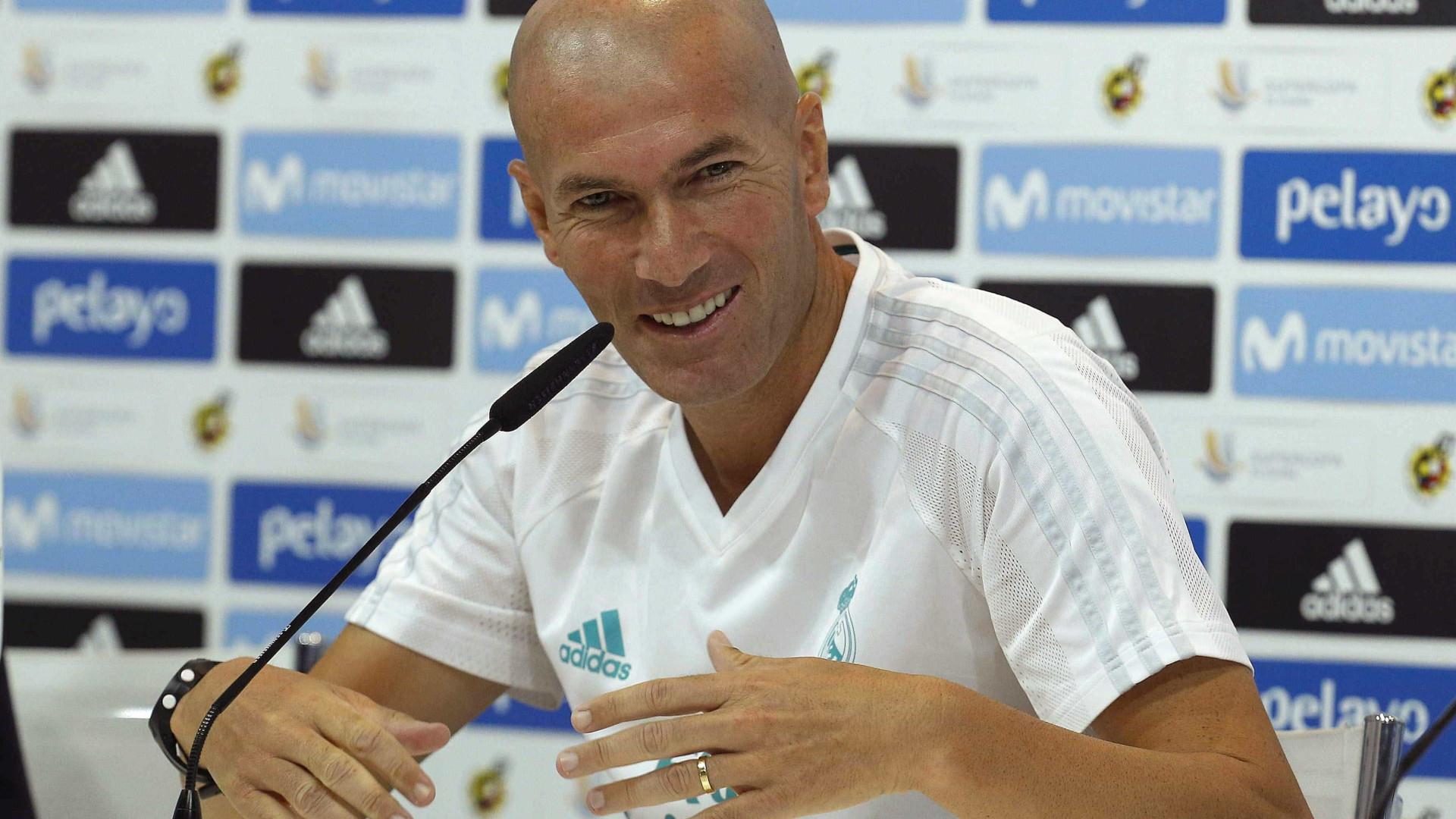 Zidane prolonga contrato com o Real Madrid por mais três anos
