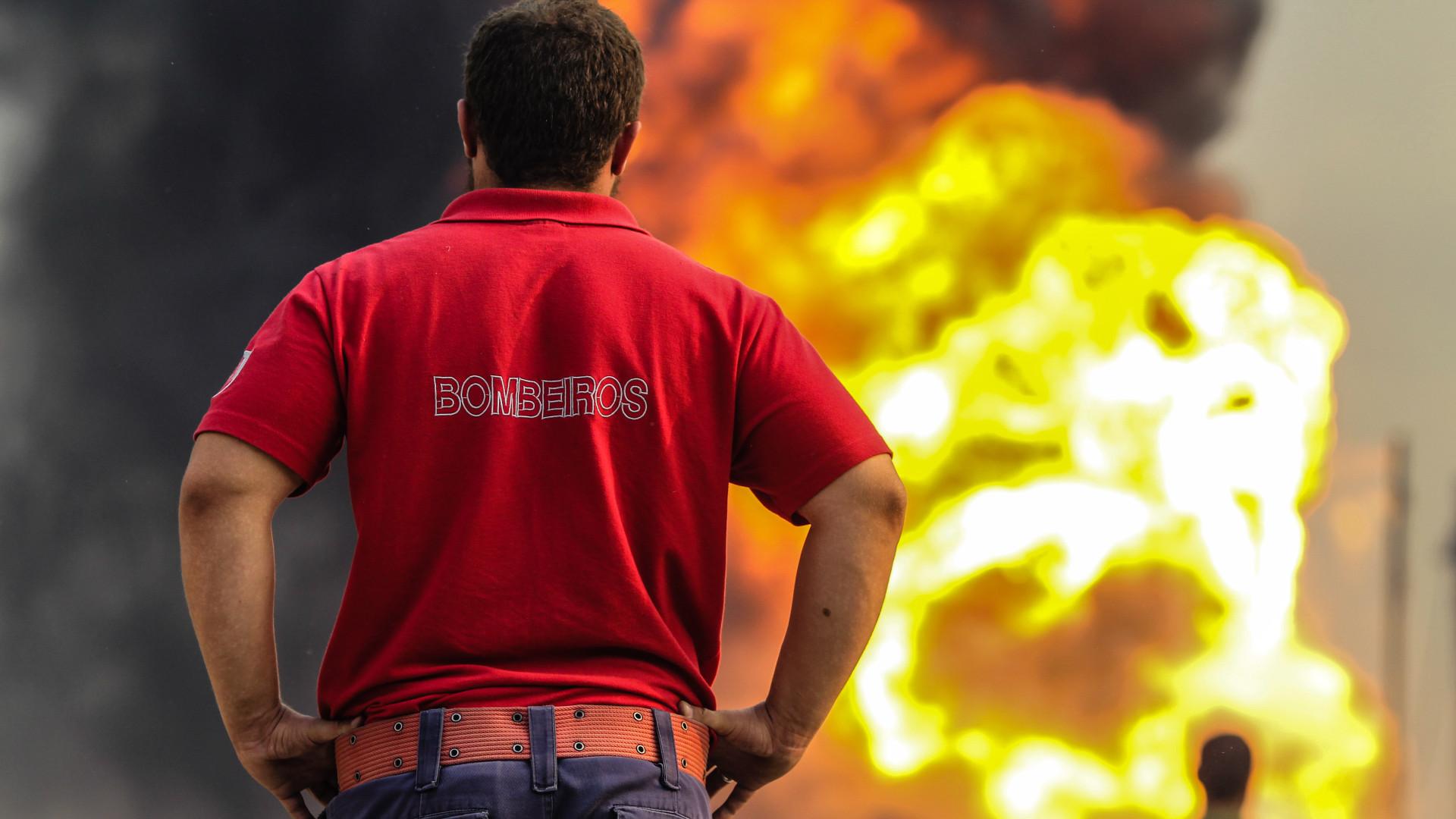 Operacionais combatem três incêndios. Castelo Branco é o mais grave