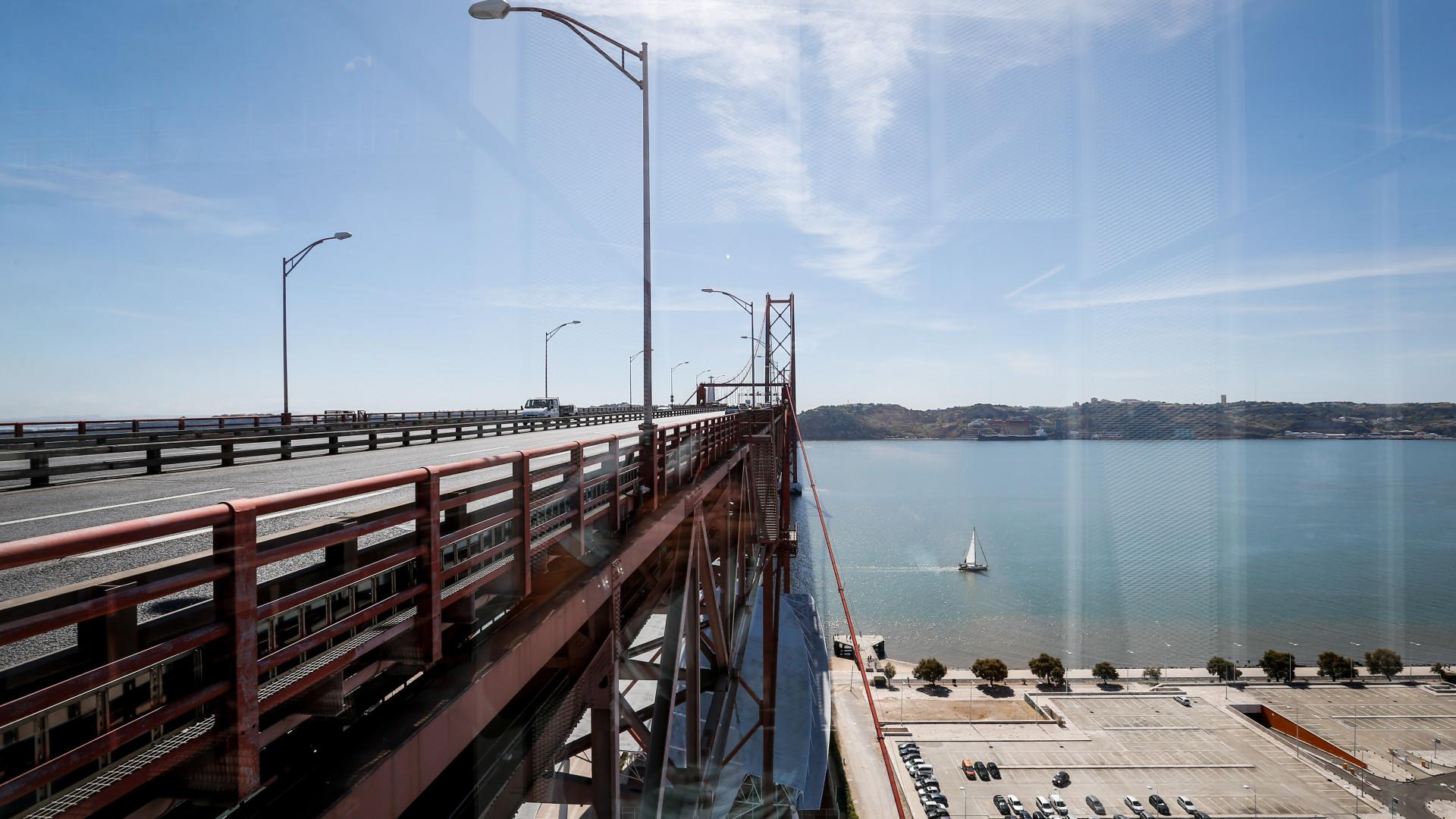 """Centeno garante que aprovou """"prontamente"""" obras na Ponte 25 de Abril"""